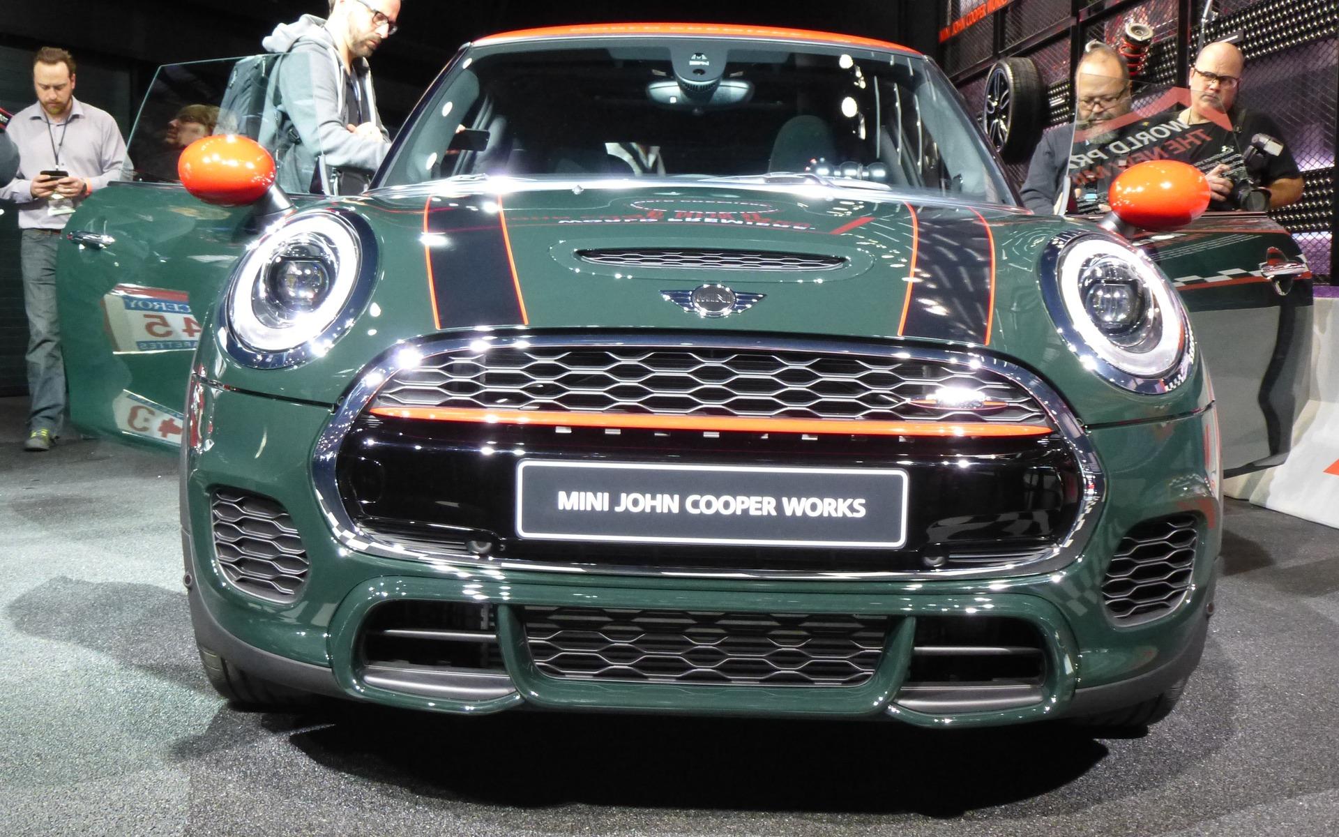 2015 MINI Cooper John Cooper Works