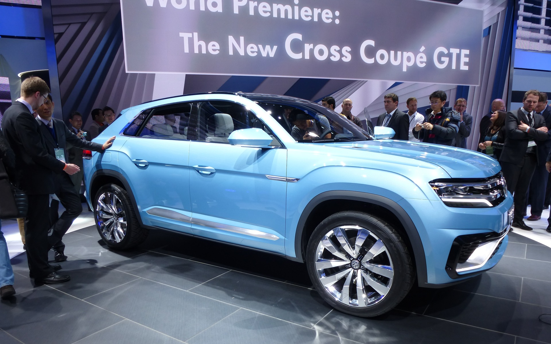 volkswagen cross coupe gte concept a new suv for north america the car guide. Black Bedroom Furniture Sets. Home Design Ideas