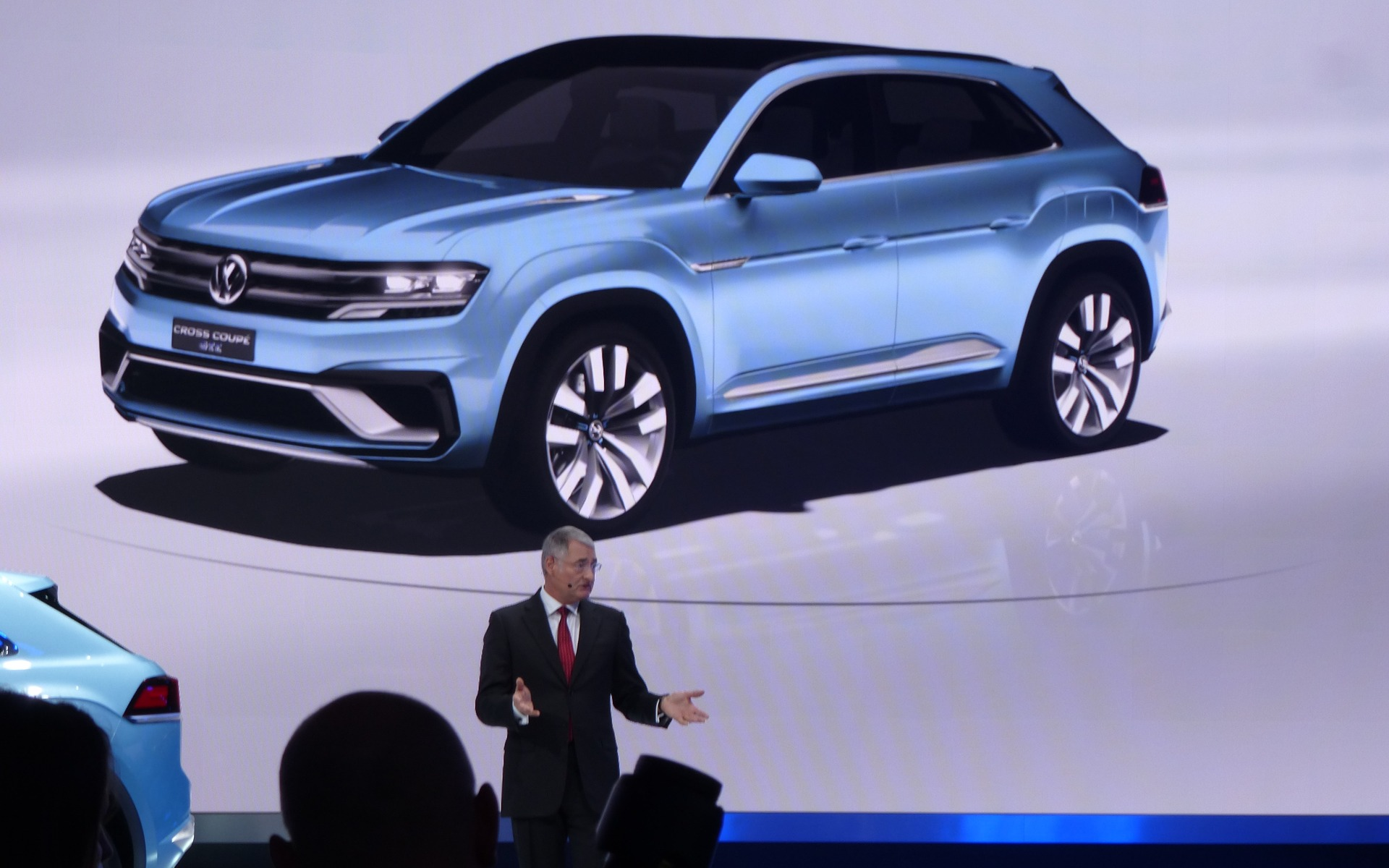 Volkswagen Cross Coupe Gte Concept A New Suv For North