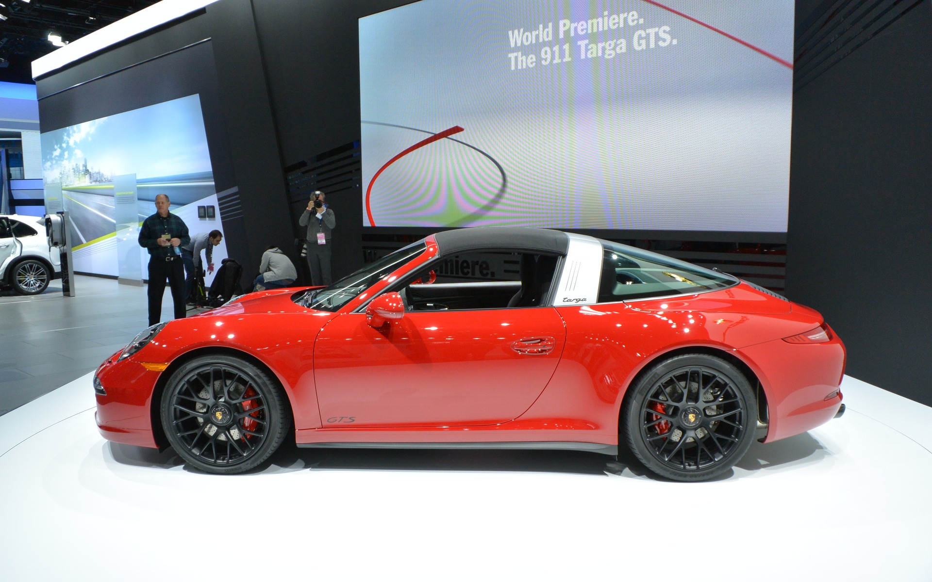 Porsche 911 Targa 4 Gts Unveiled In Detroit 5 7