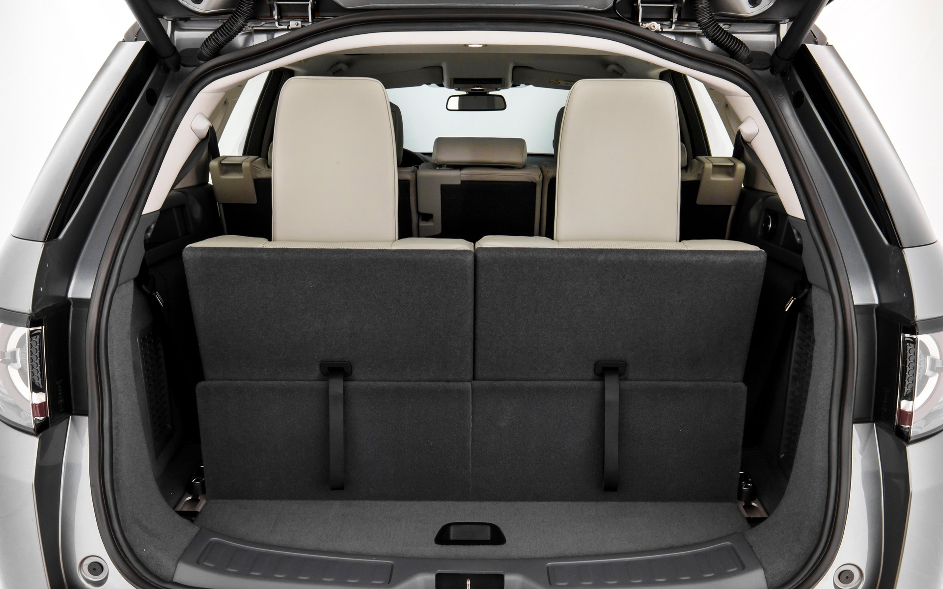 2015 Land Rover Discovery Sport Built For Versatility 23 44