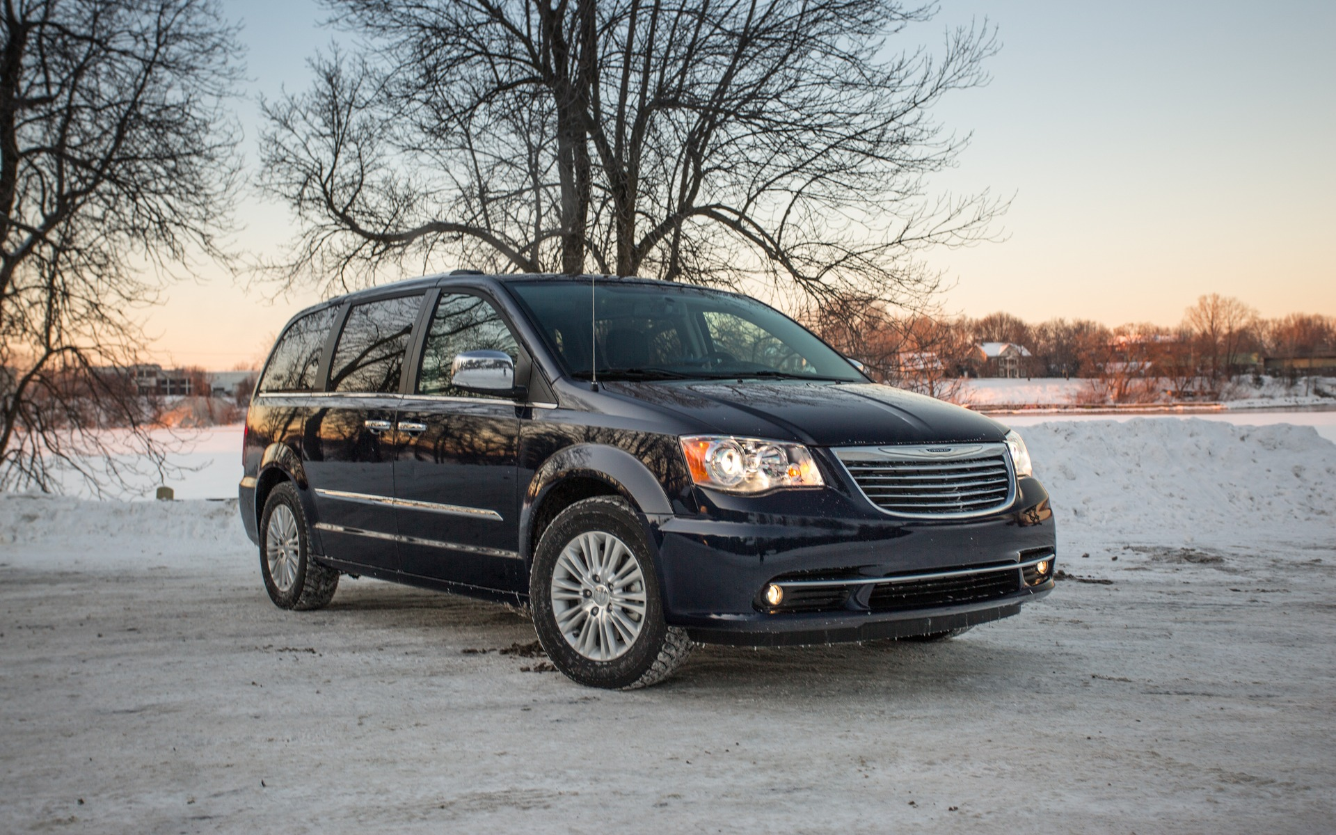 inventory val country chrysler town vehicle b capitale honda en quebec la de used in lair touring and