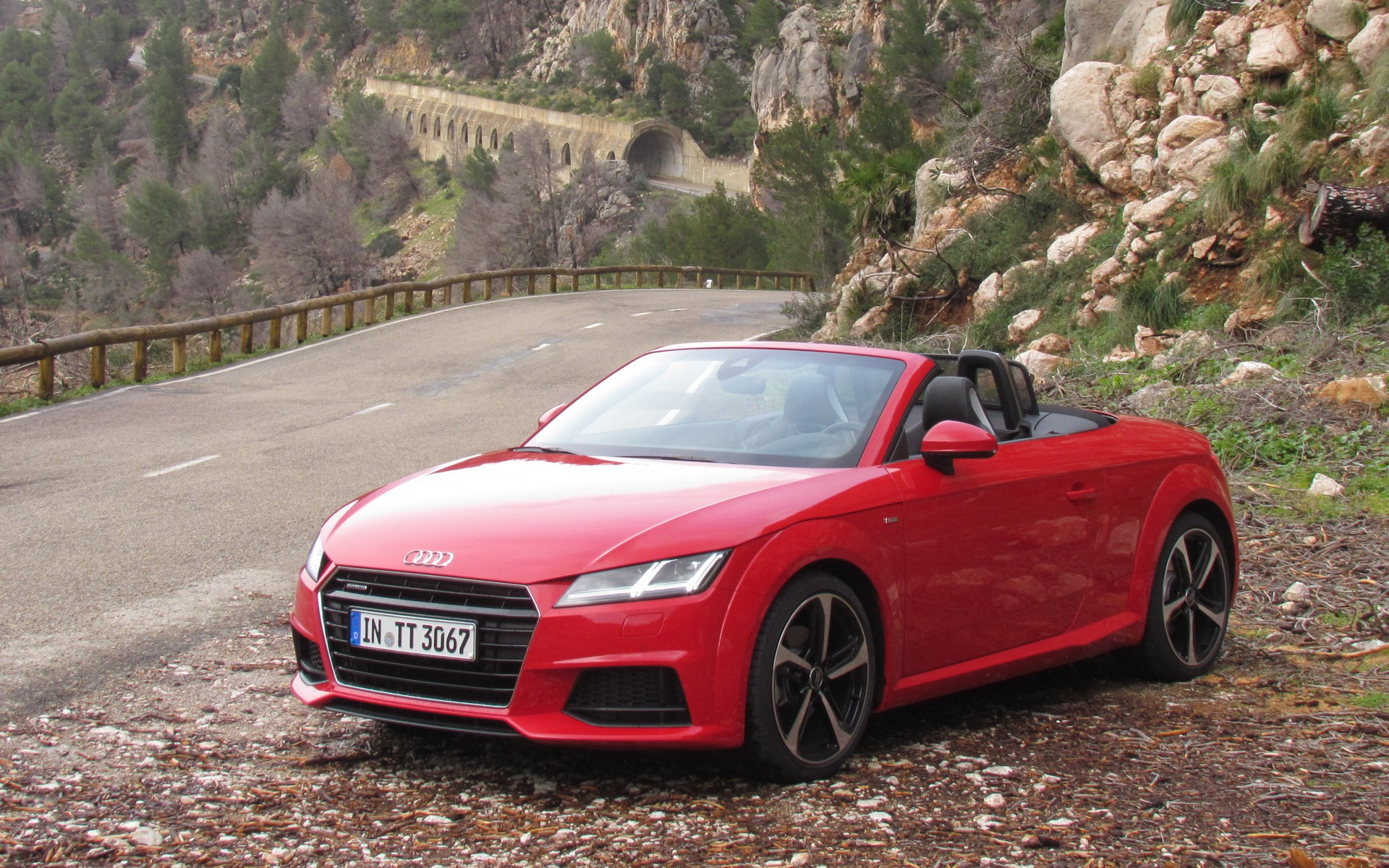 audi tt et tts roadster 2016 deux cabriolets s duisants. Black Bedroom Furniture Sets. Home Design Ideas