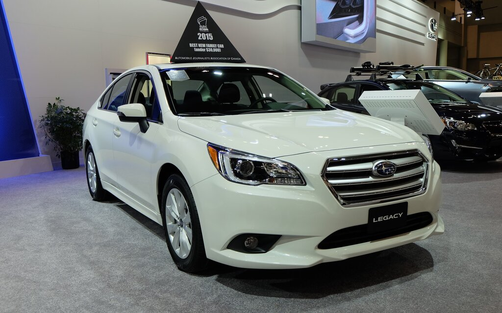 subaru legacy 2015 voiture de l 39 ann e au canada guide auto. Black Bedroom Furniture Sets. Home Design Ideas