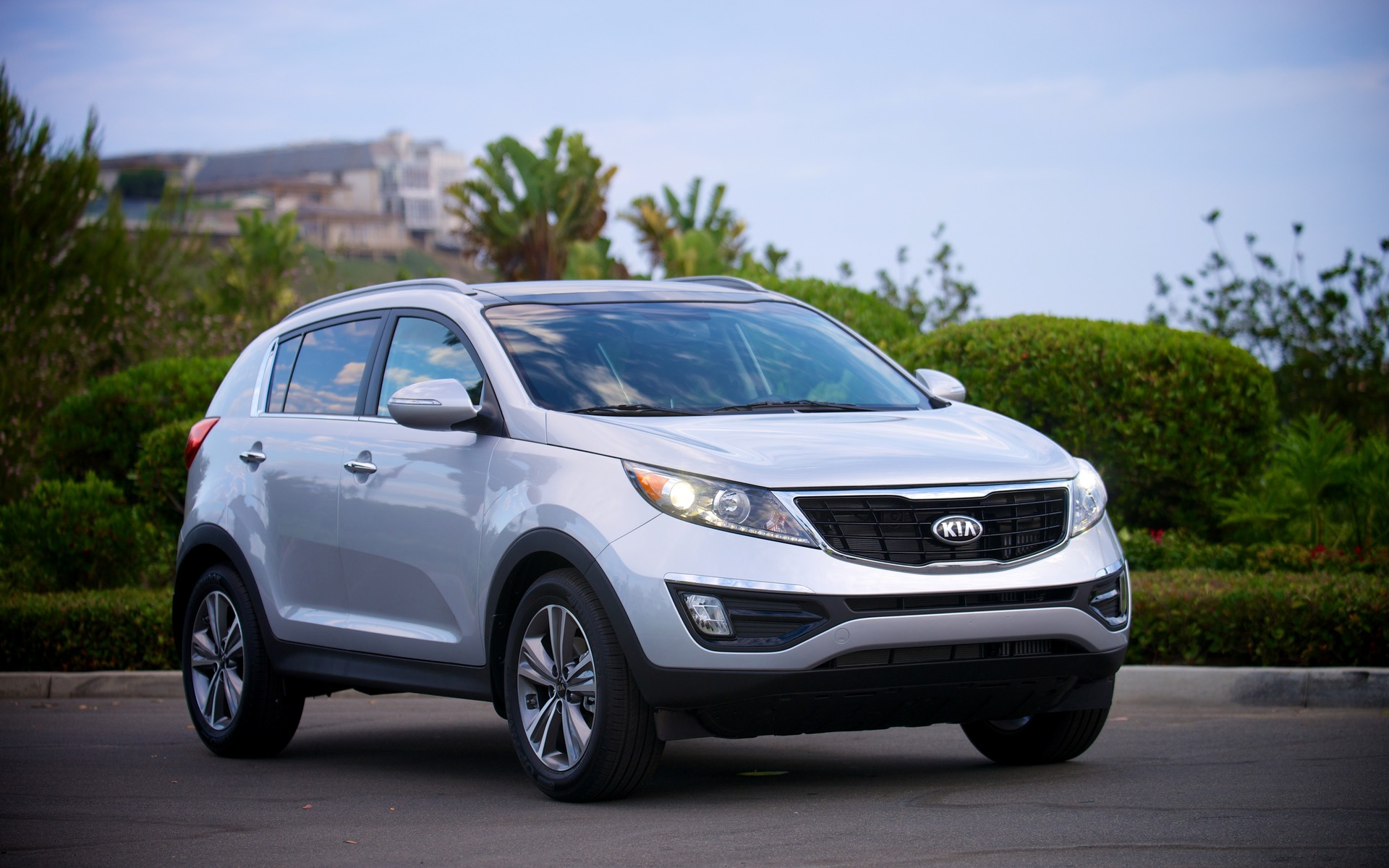 The 2015 Kia Sportage SX Luxury is a great little crossover.