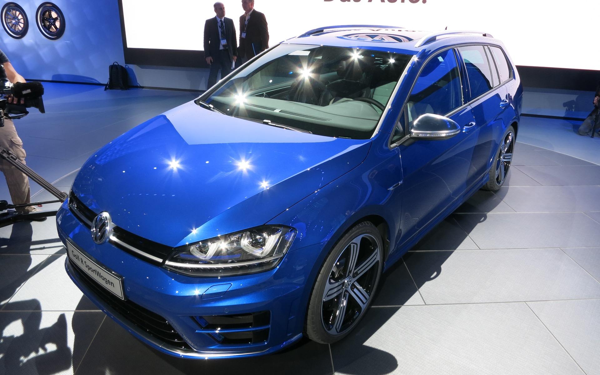 2015 Volkswagen Golf R Sportwagon