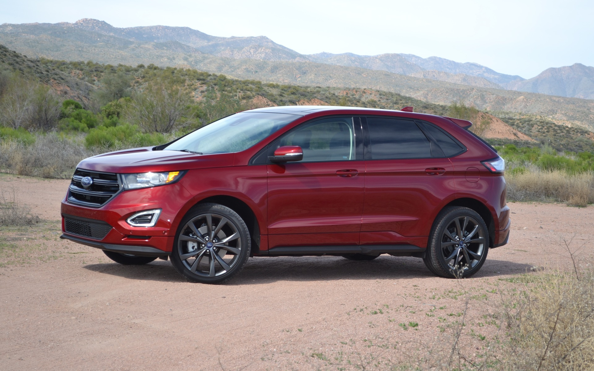 Ford Edge Modern Engines Not So Modern Lines