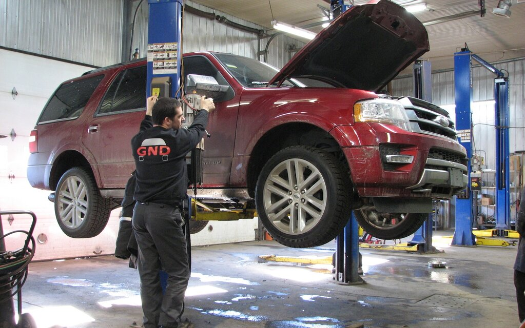 Le ford expedition 2015 entre tout juste au garage guide for Garage ford le plessis grammoire