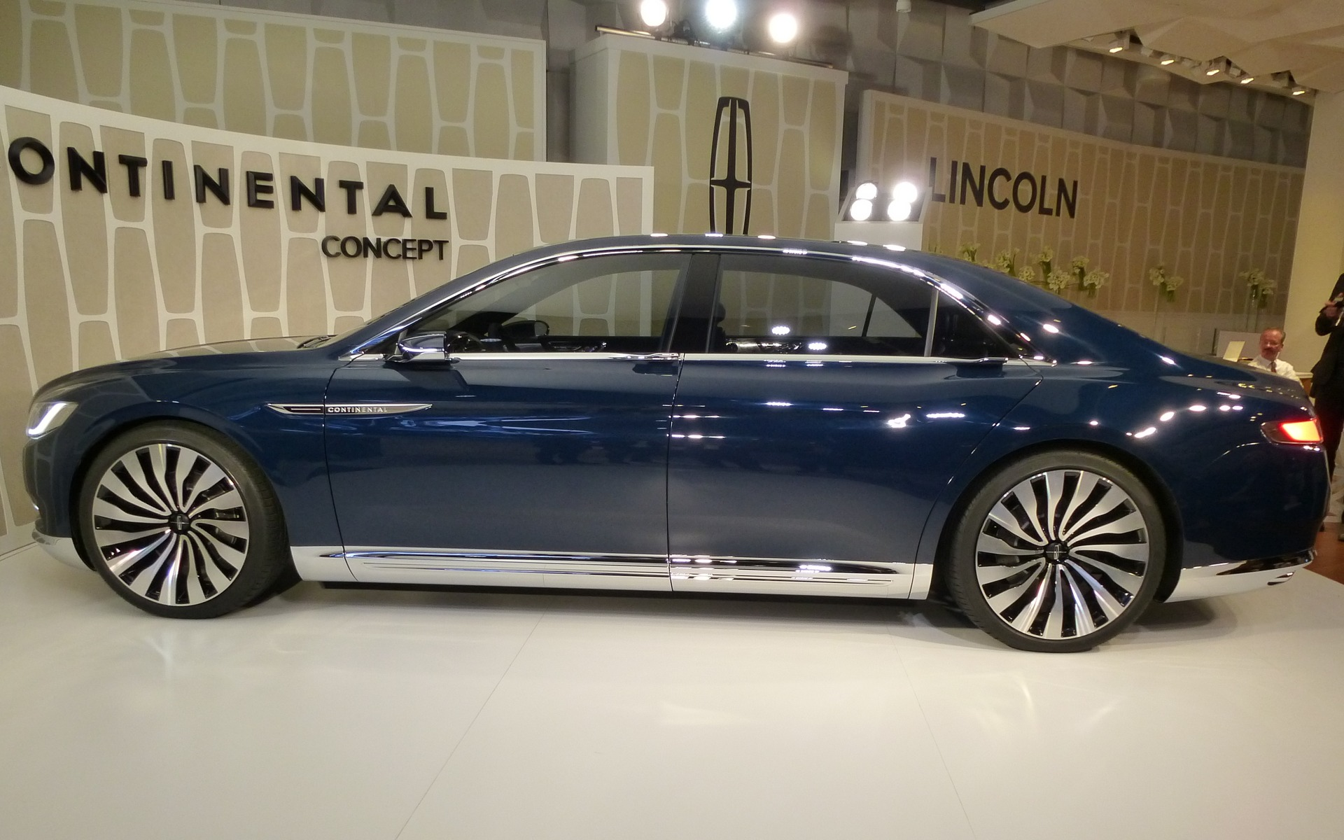 Lincoln Continental Concept Back To The Future 7 13