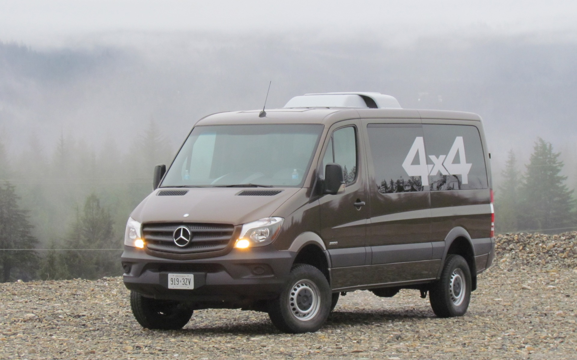 2015 mercedes benz sprinter 4x4 doing the dirty work the car guide. Black Bedroom Furniture Sets. Home Design Ideas