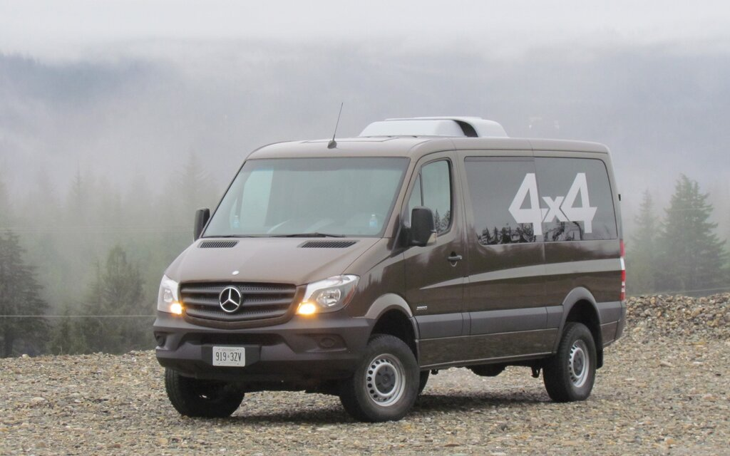 2015 mercedes benz sprinter 4x4 doing the dirty work. Black Bedroom Furniture Sets. Home Design Ideas