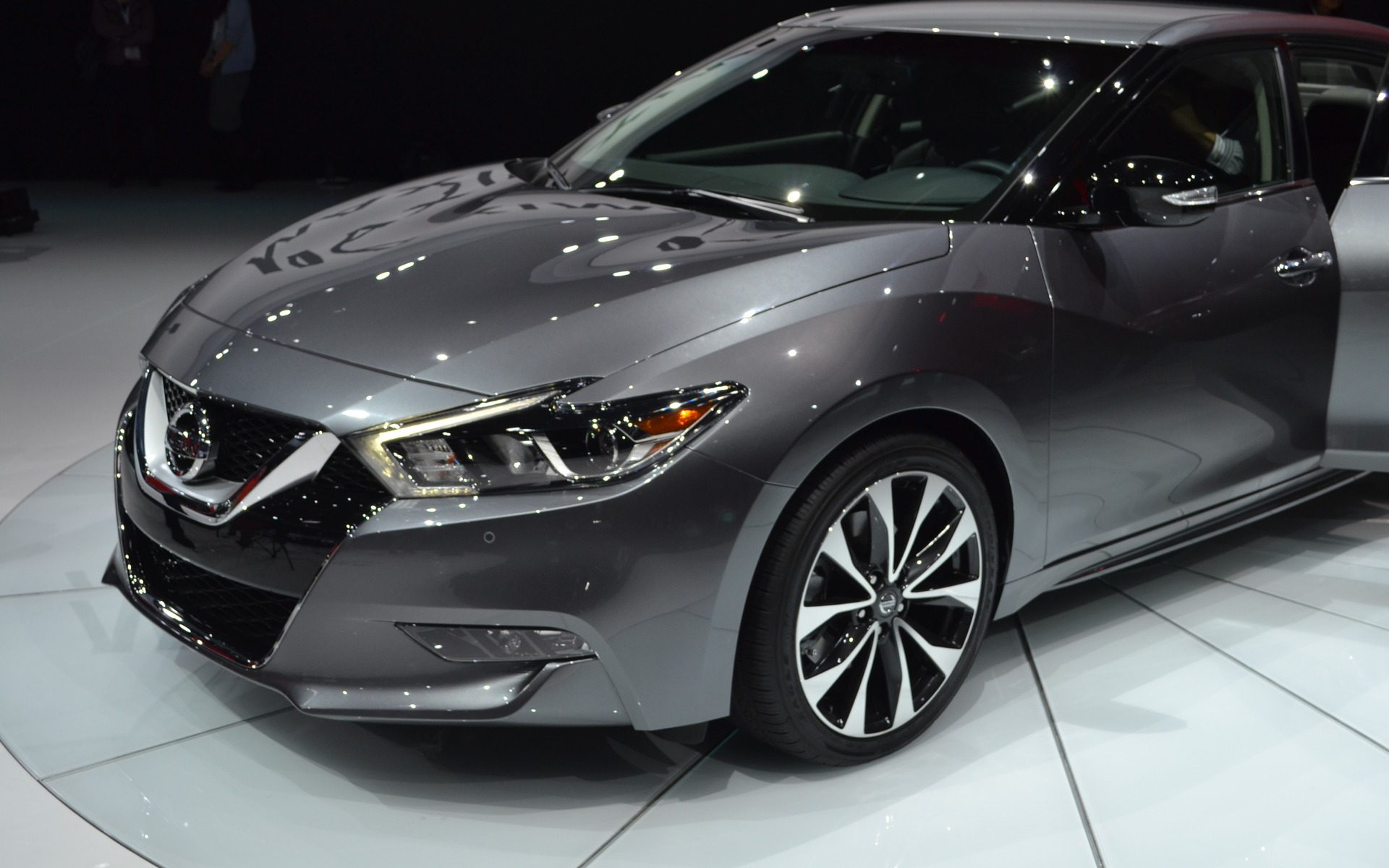 nissan will unveil the 2016 maxima in new york the car guide. Black Bedroom Furniture Sets. Home Design Ideas