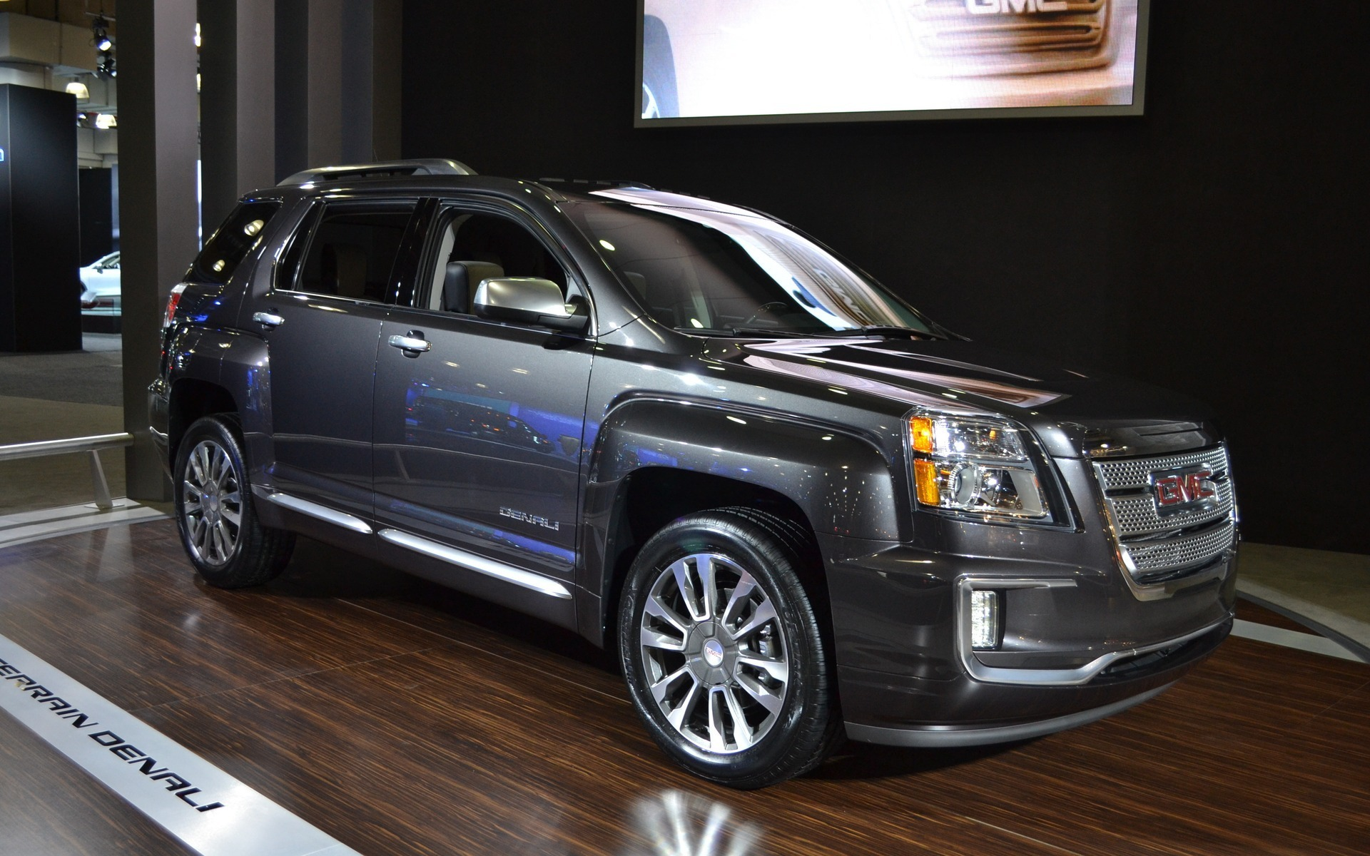 2016 gmc terrain unveiled in new york the car guide. Black Bedroom Furniture Sets. Home Design Ideas