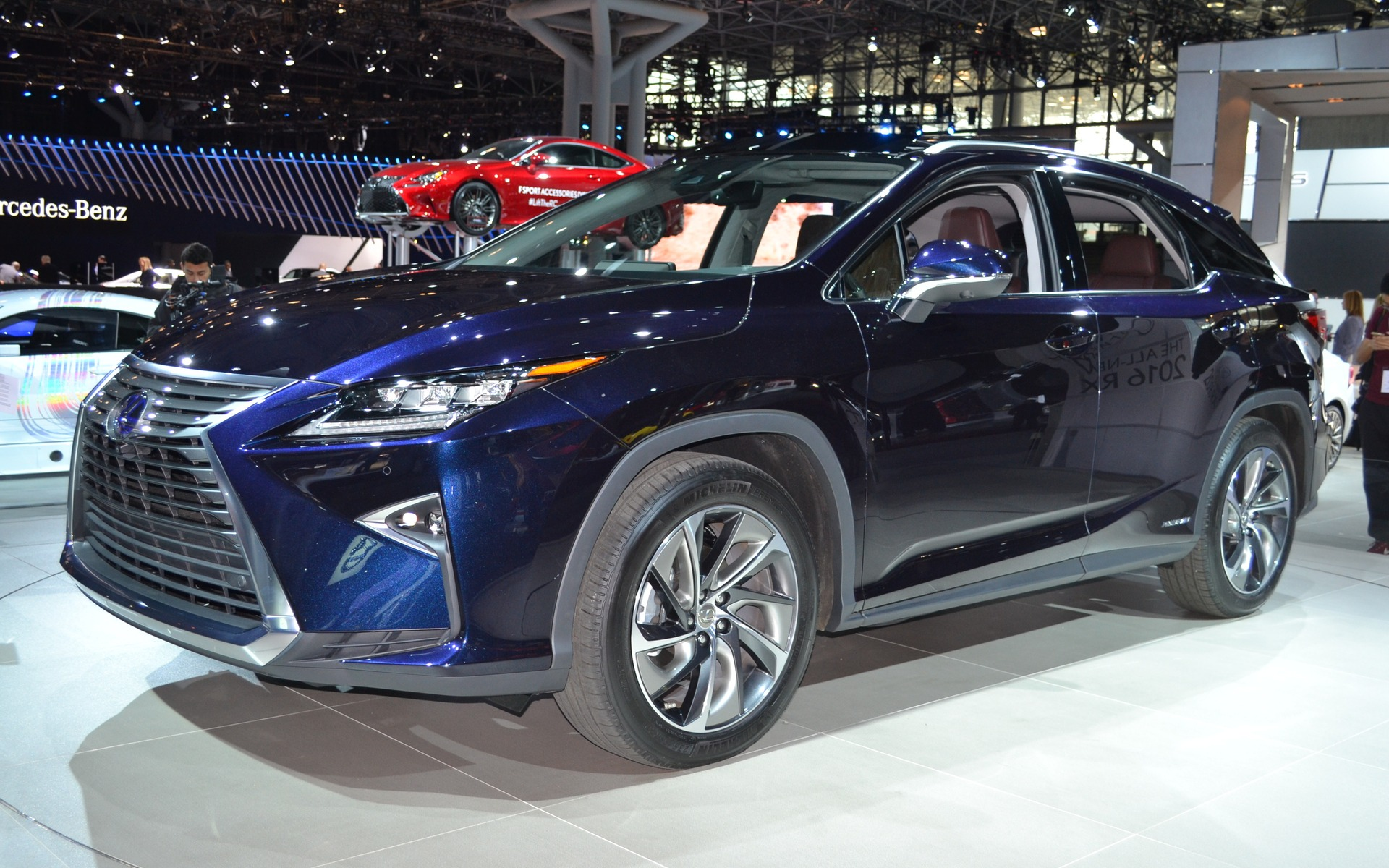 the 2016 lexus rx350 450h more elegant and better equipped the car guide. Black Bedroom Furniture Sets. Home Design Ideas