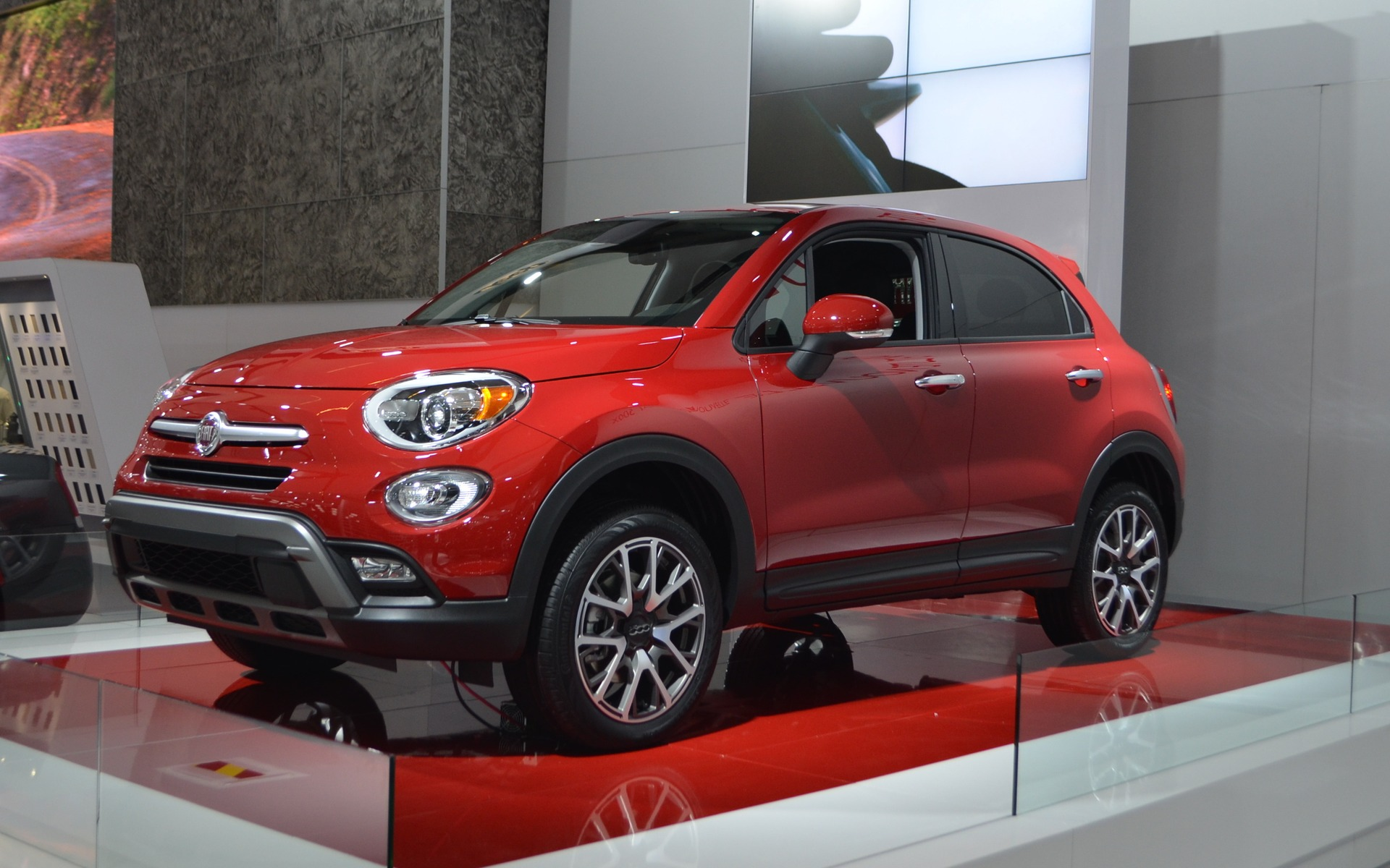 cette semaine nous ferons l 39 essai de la fiat 500x guide auto. Black Bedroom Furniture Sets. Home Design Ideas