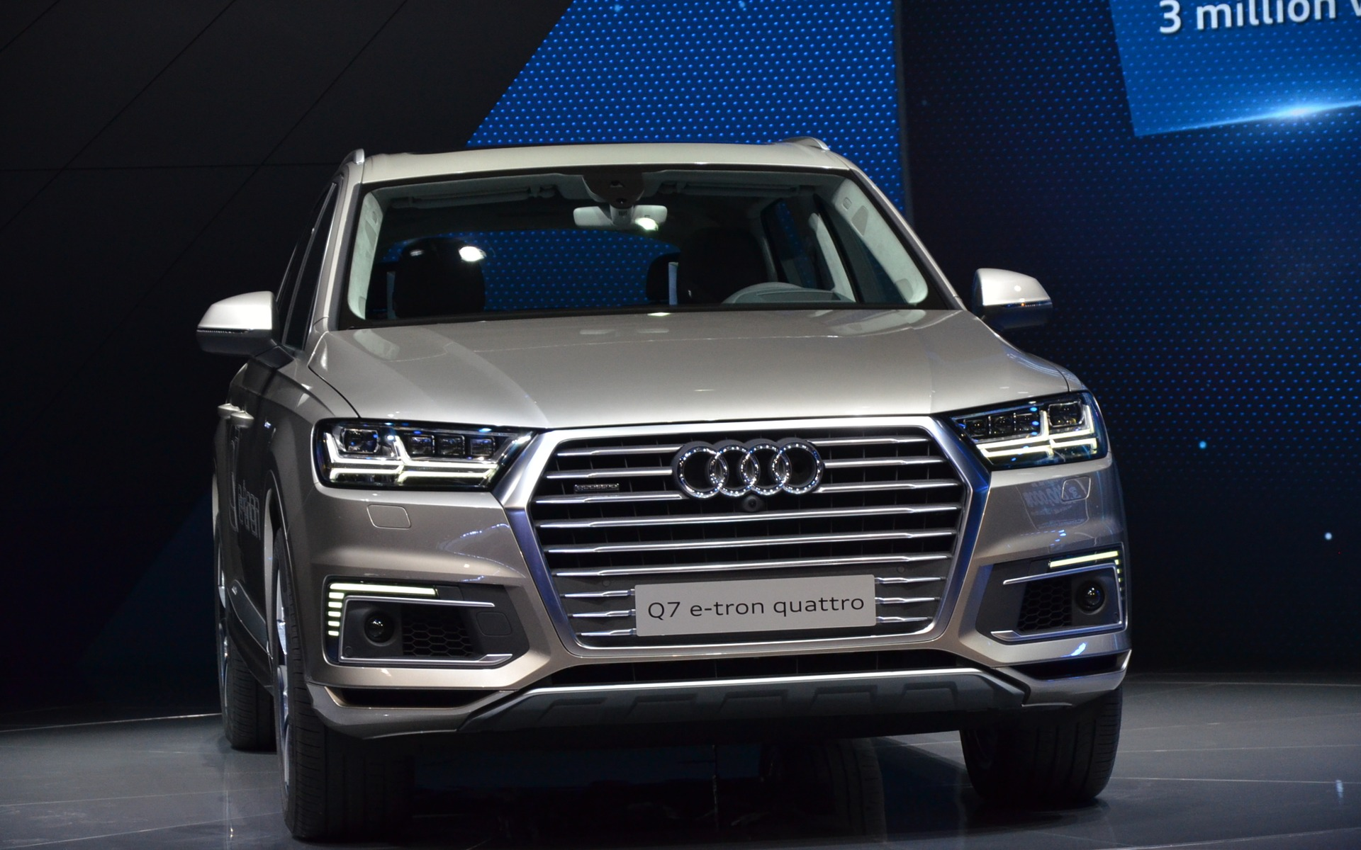 the audi a6 l e tron and q7 e tron quattro unveiled in shanghai 18 18. Black Bedroom Furniture Sets. Home Design Ideas