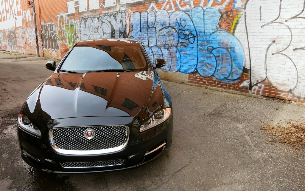 2015 Jaguar XJL: Here There Be Dragons - The Car Guide