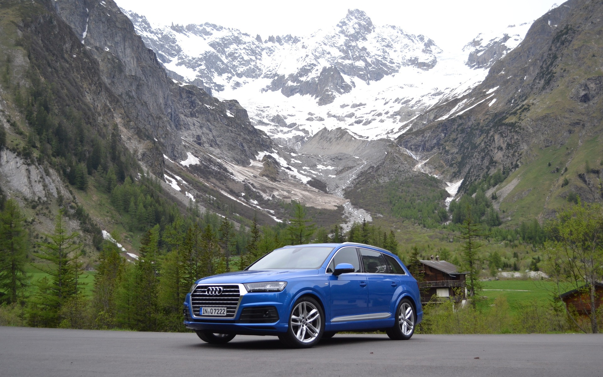 The second-generation Q7 is being released for 2016.