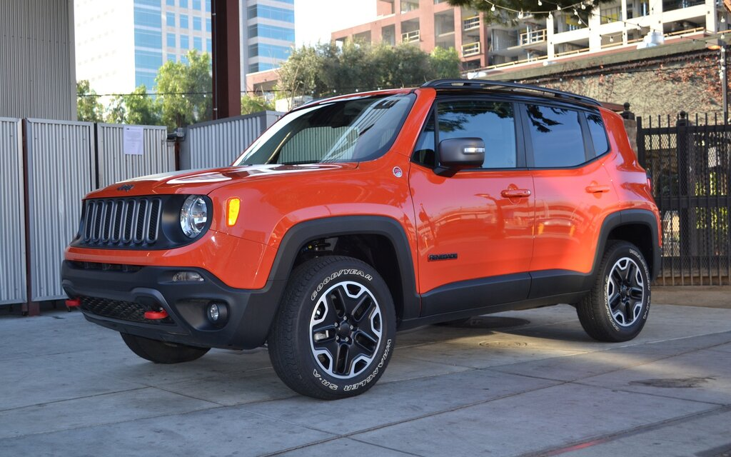 probl me de transmission et retard de livraison pour le jeep renegade guide auto. Black Bedroom Furniture Sets. Home Design Ideas