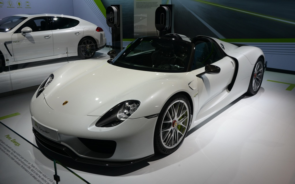 la porsche 918 spyder est encore rappel e guide auto. Black Bedroom Furniture Sets. Home Design Ideas