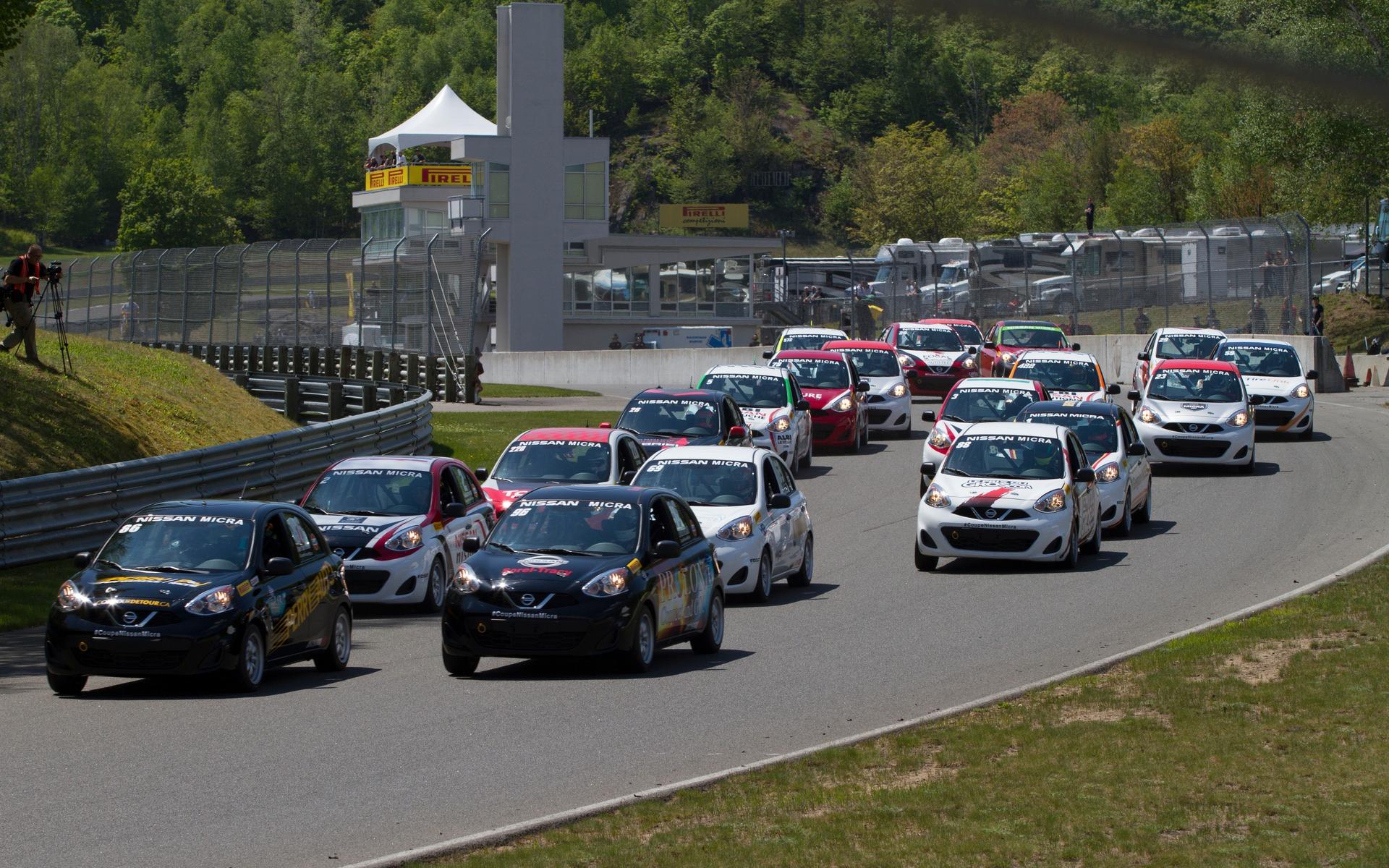 Coupe Micra au Circuit Mont Tremblant - Départ de la course numéro 1.