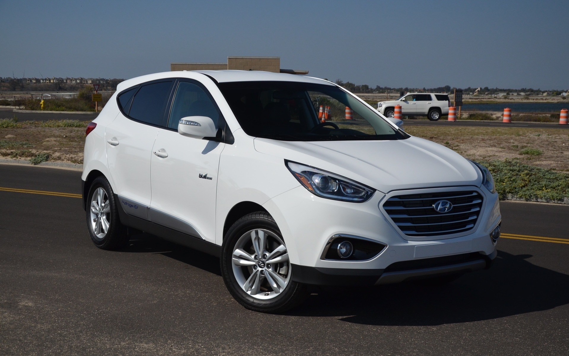 It looks a lot like the conventional Tucson, doesn't it?