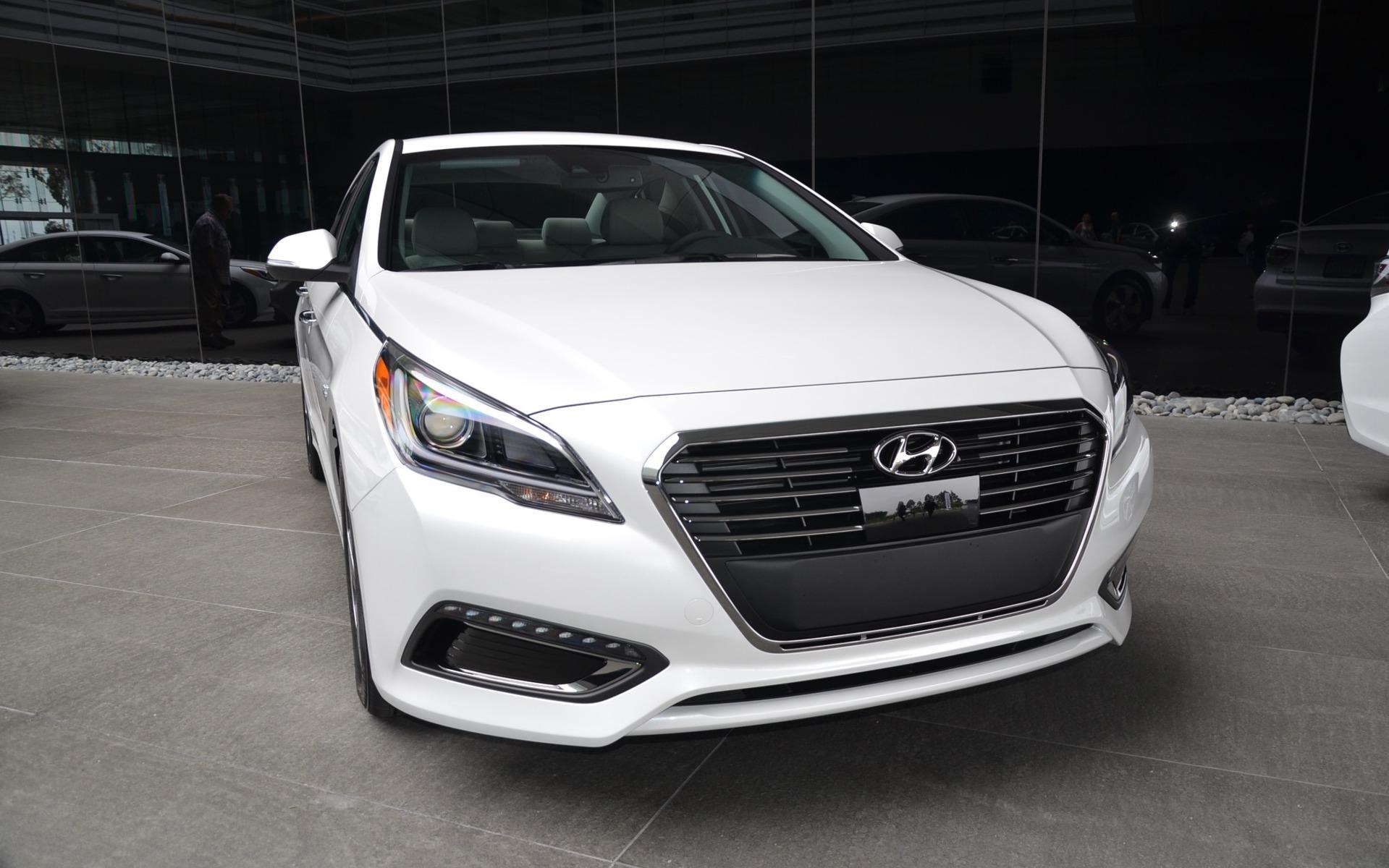 Hyundai Sonata Hybride branchable  2016