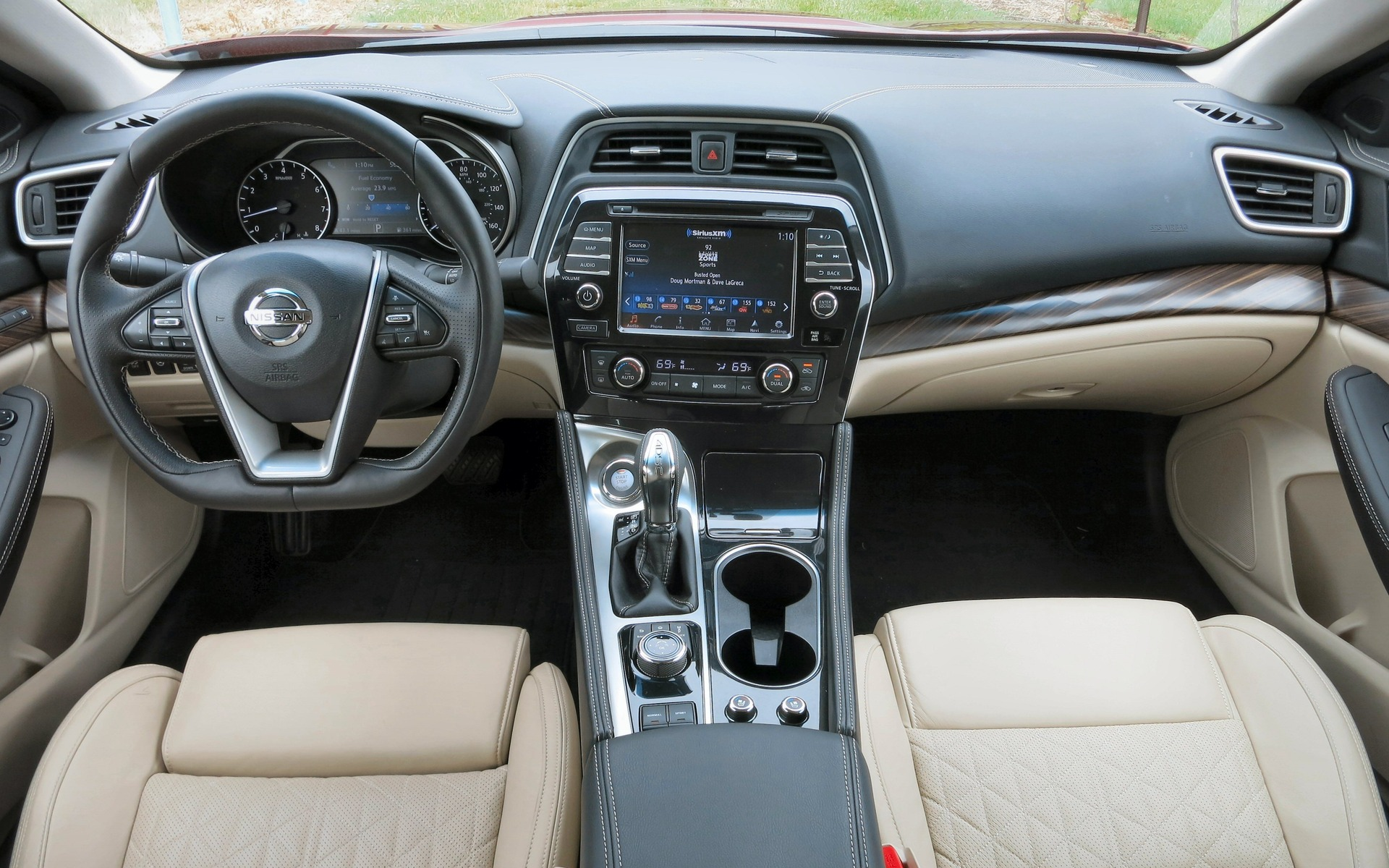 Equally big steps have been made inside the new Nissan Maxima.