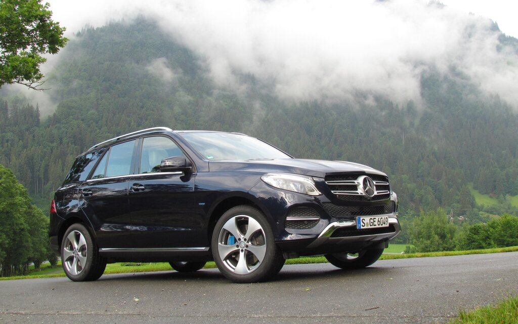 2016 mercedes benz gle a new name for a stalwart suv. Black Bedroom Furniture Sets. Home Design Ideas