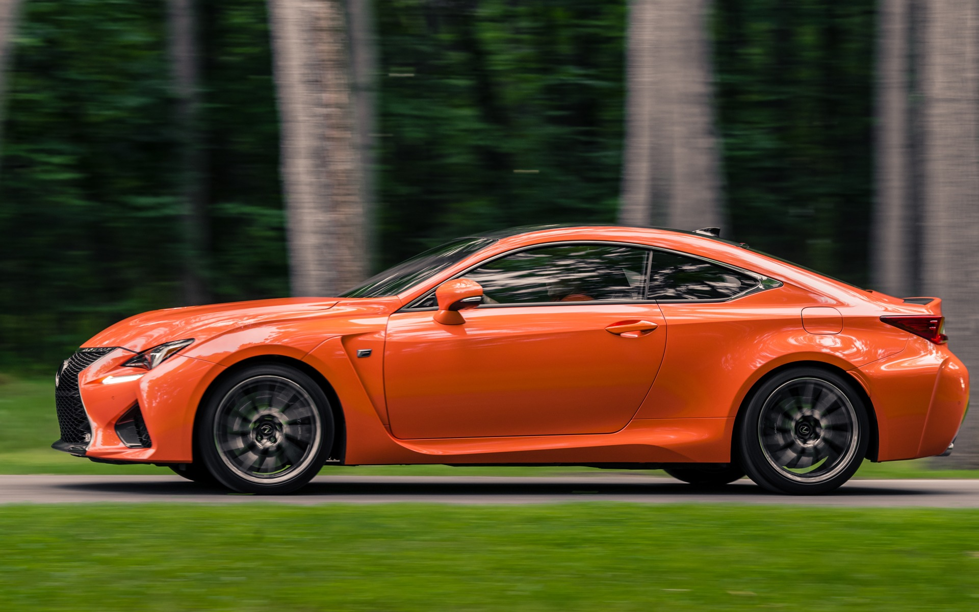 Lexus rc f 2015 la belle a ses d fauts guide auto for Garage la belle auto