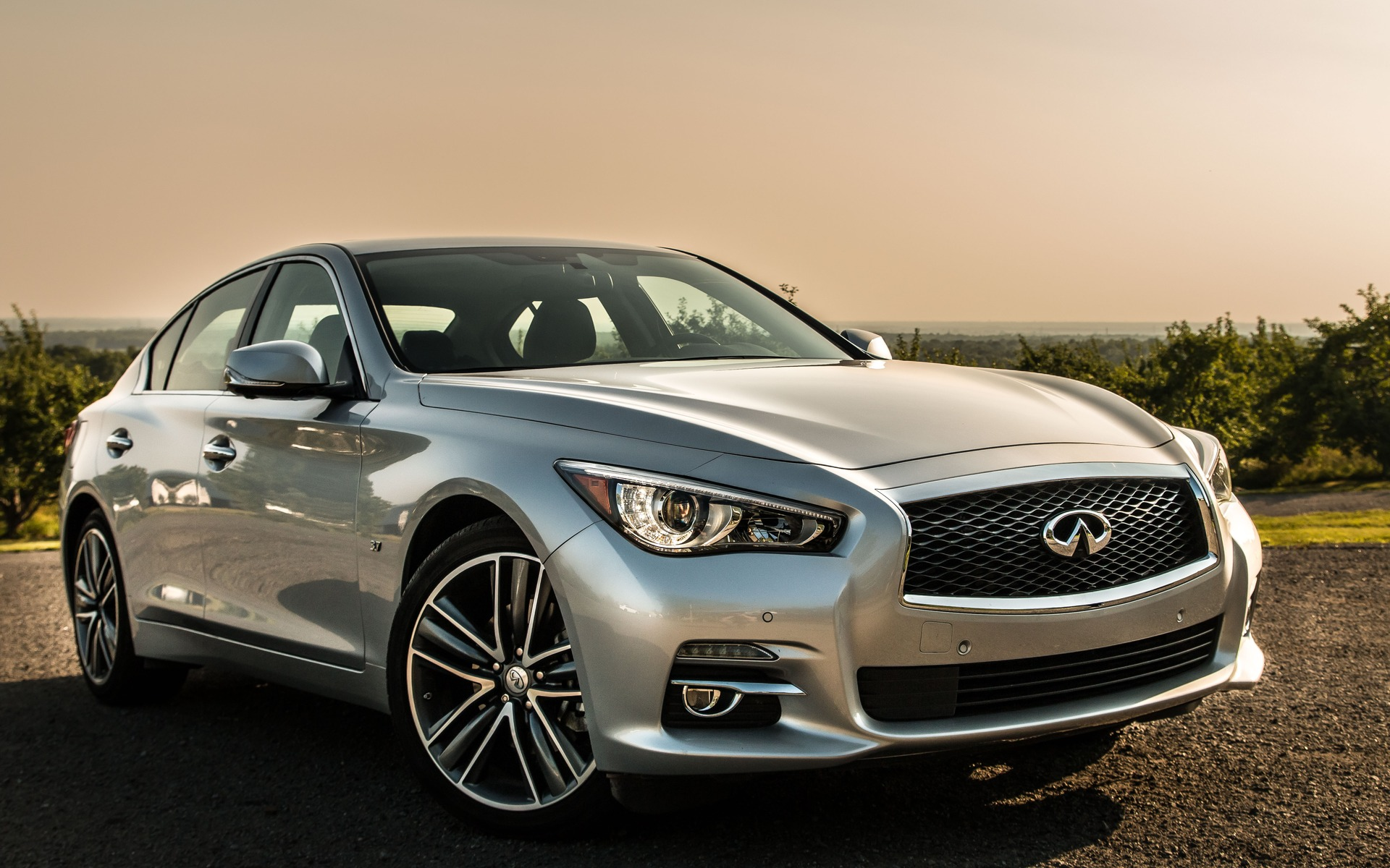 infiniti q50 awd limited 2015 la berline sportive l re playstation guide auto. Black Bedroom Furniture Sets. Home Design Ideas