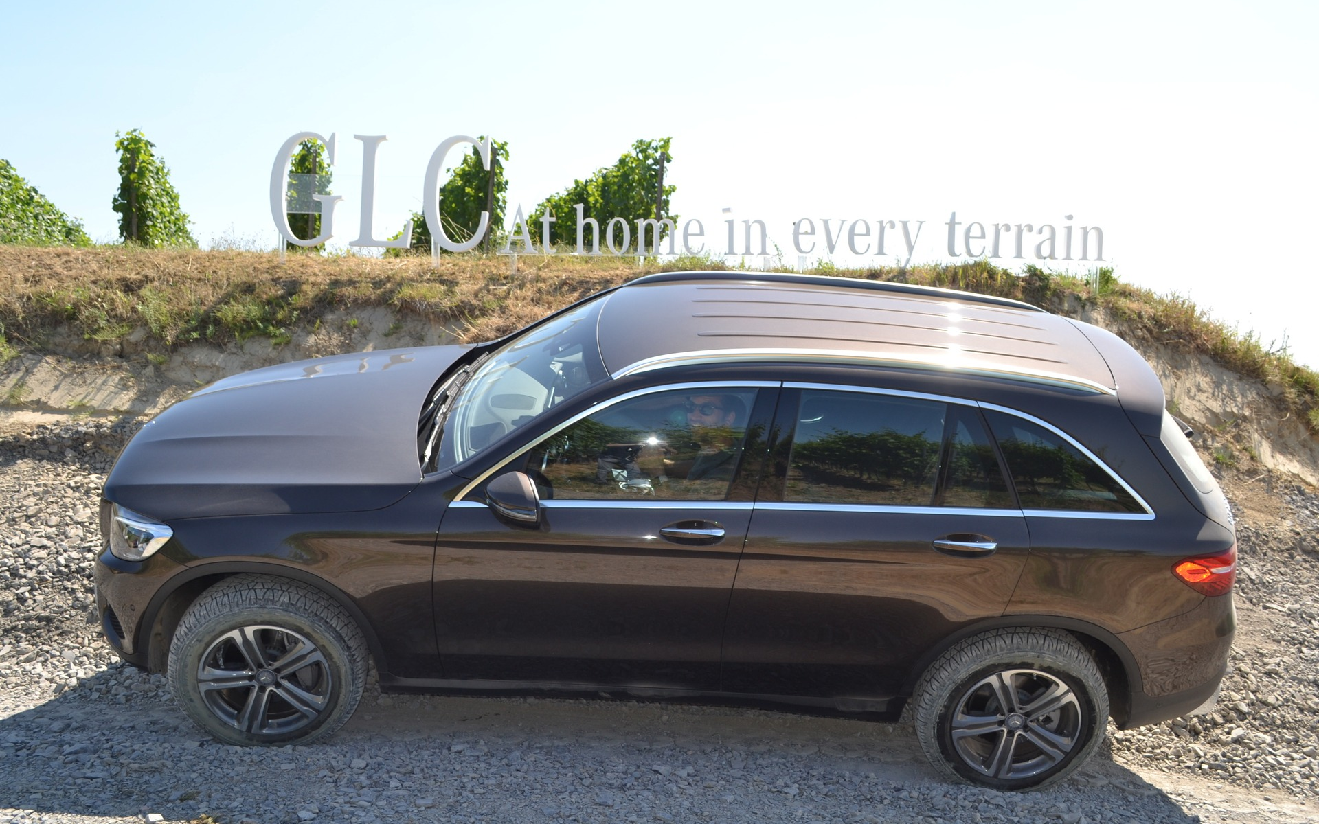 2017 mercedes benz glc 350 e 4matic a first rechargeable hybrid 9 12. Black Bedroom Furniture Sets. Home Design Ideas