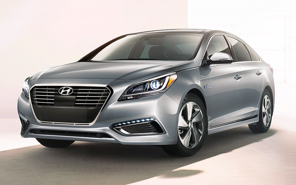 2016 hyundai sonata hybrid priced at 29 649 in canada the car guide. Black Bedroom Furniture Sets. Home Design Ideas