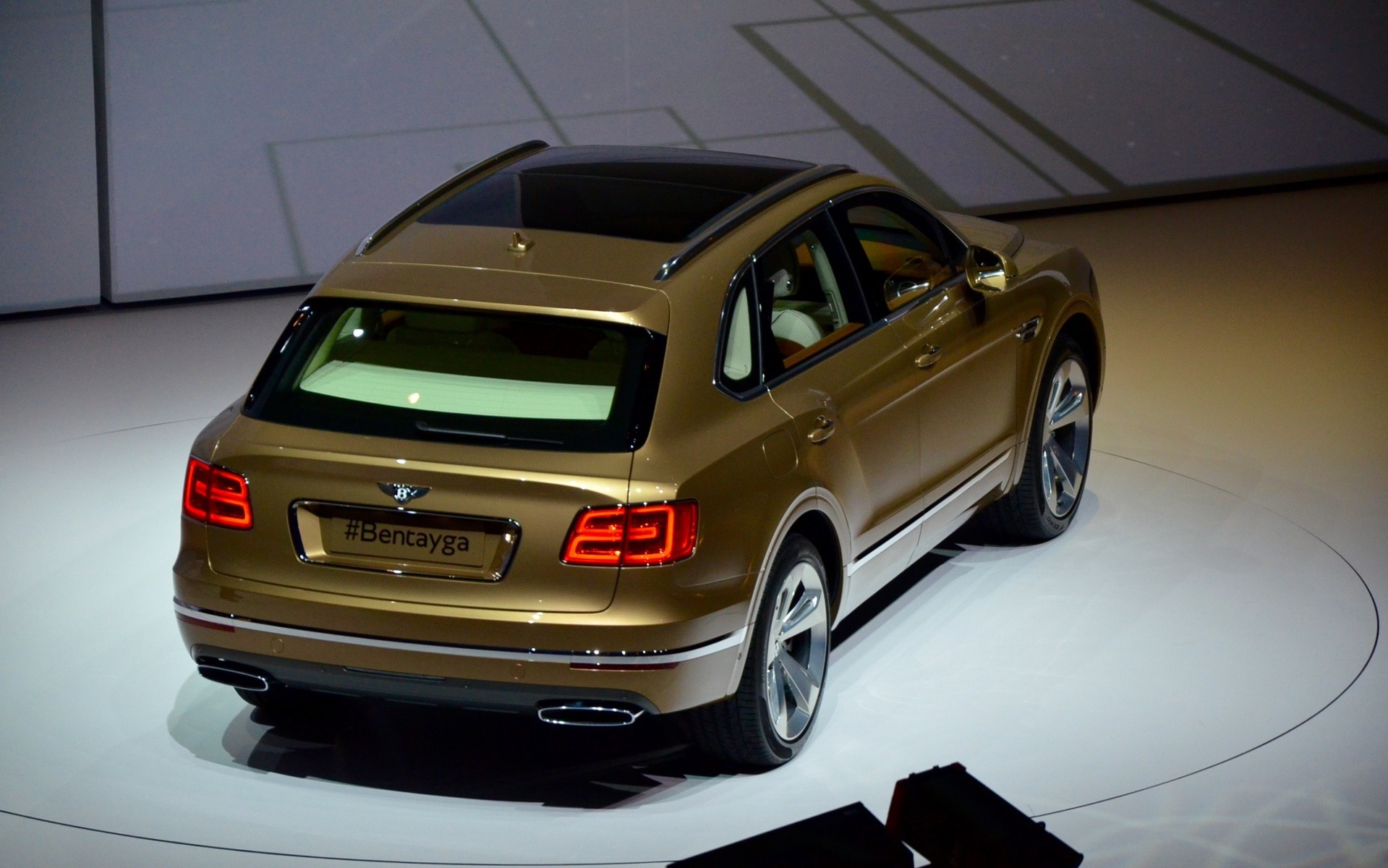 Bentley Bentayga - Un VUS de 600 chevaux...