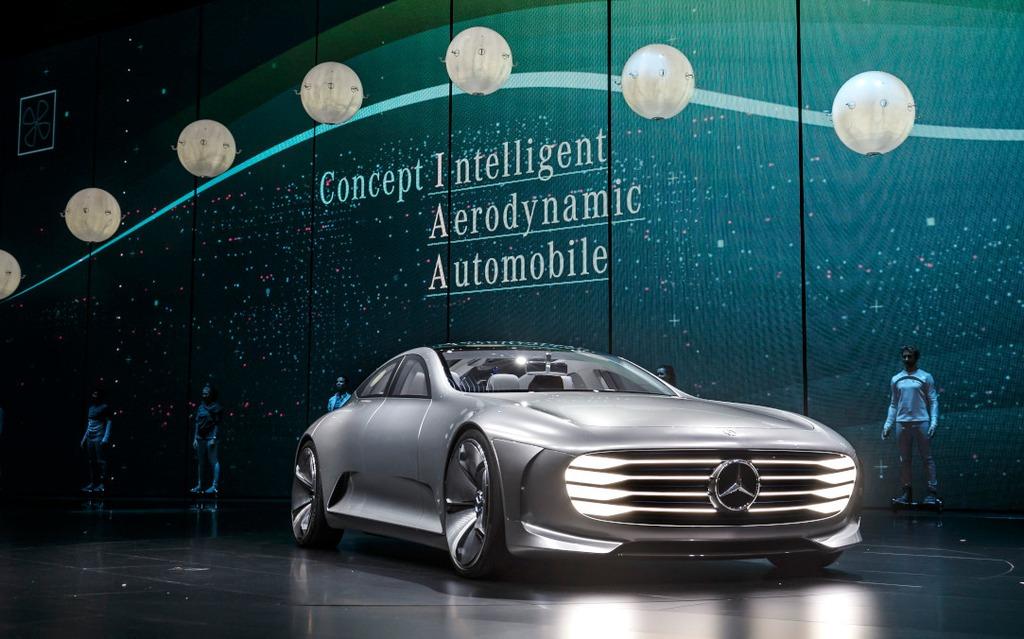https://i.gaw.to/photos/2/1/8/218667_Salo_de_Francfort_2015-_IAA_la_voiture_de_demain_selon_Mercedes-Benz.jpg