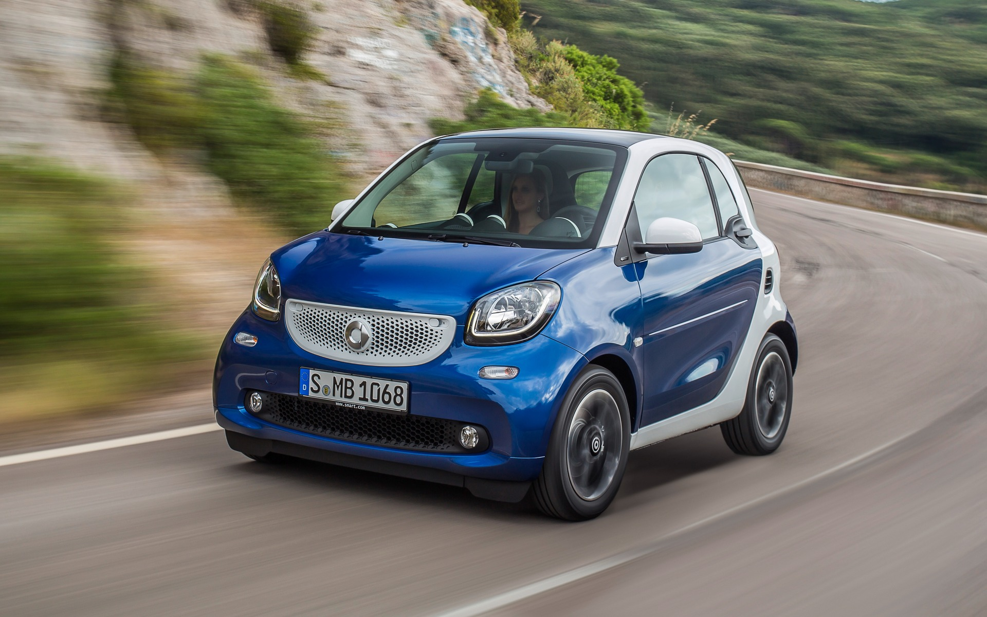 The new smart's lines are more mature and virile than before.