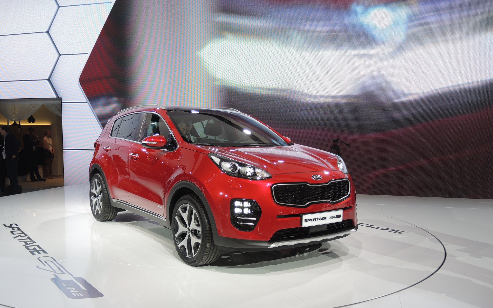 2015 frankfurt motor show first drawings of the kia sportage the car guide. Black Bedroom Furniture Sets. Home Design Ideas