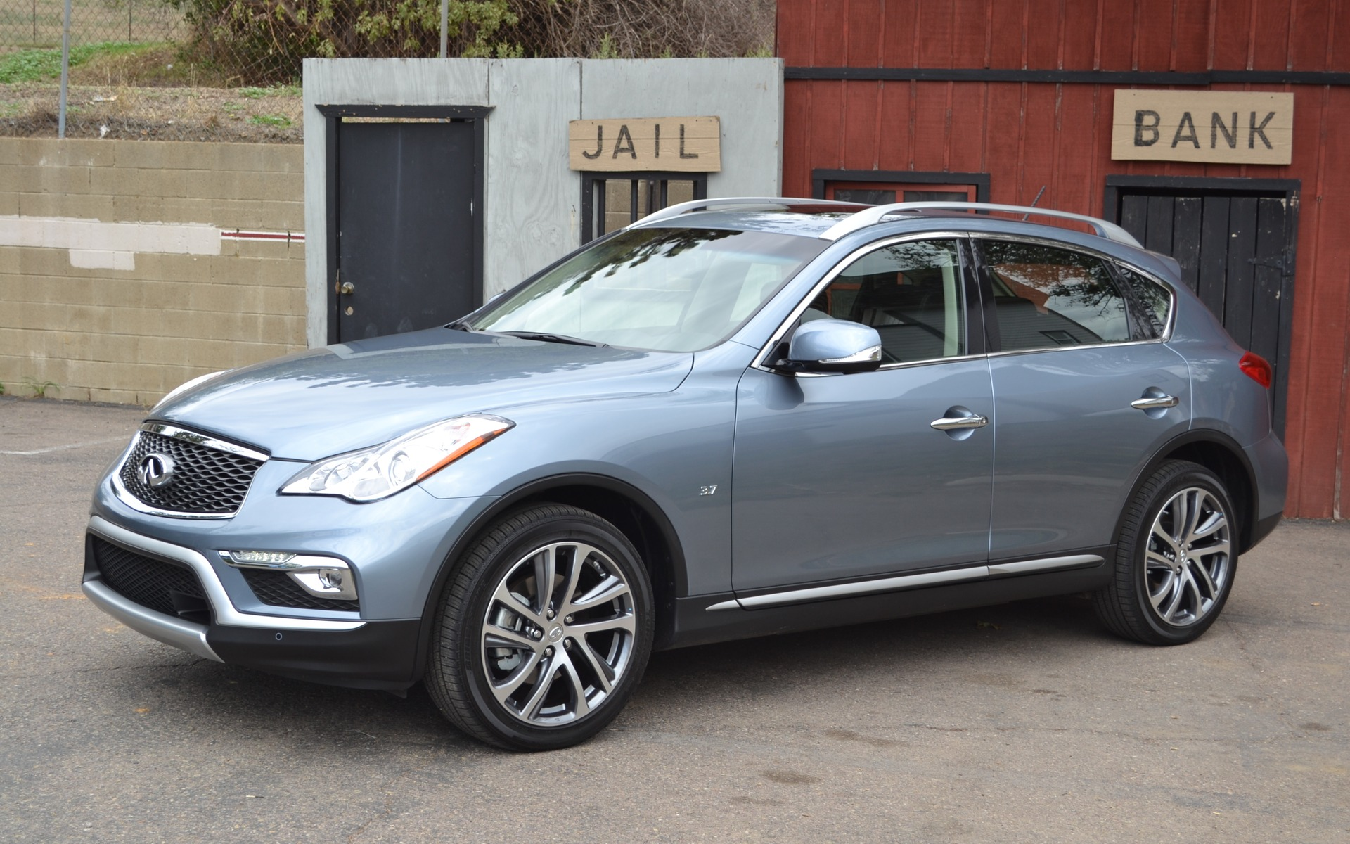 The QX50 will undergo a slight makeover this year.