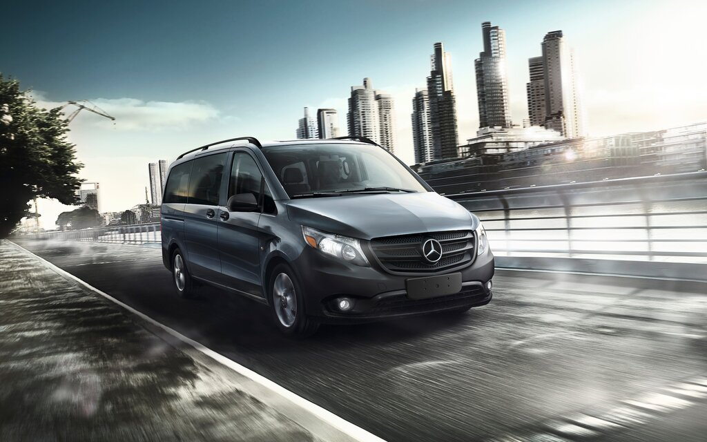 2016 mercedes benz metris the sprinter s smaller cousin for Sprinter mercedes benz 2016