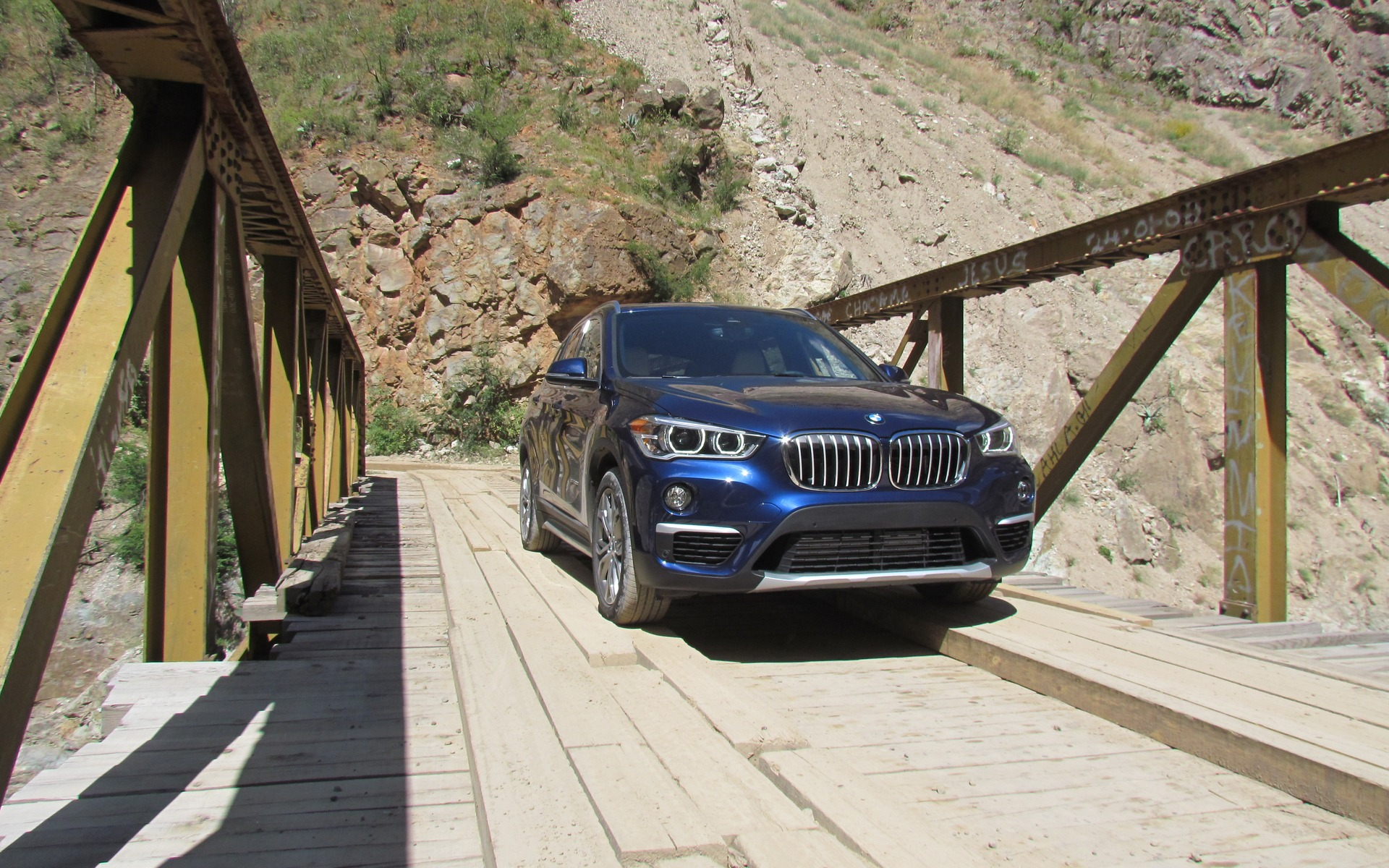 2016 Bmw X1 Xdrive 28i The Smallest X Gets A New Platform 8 24