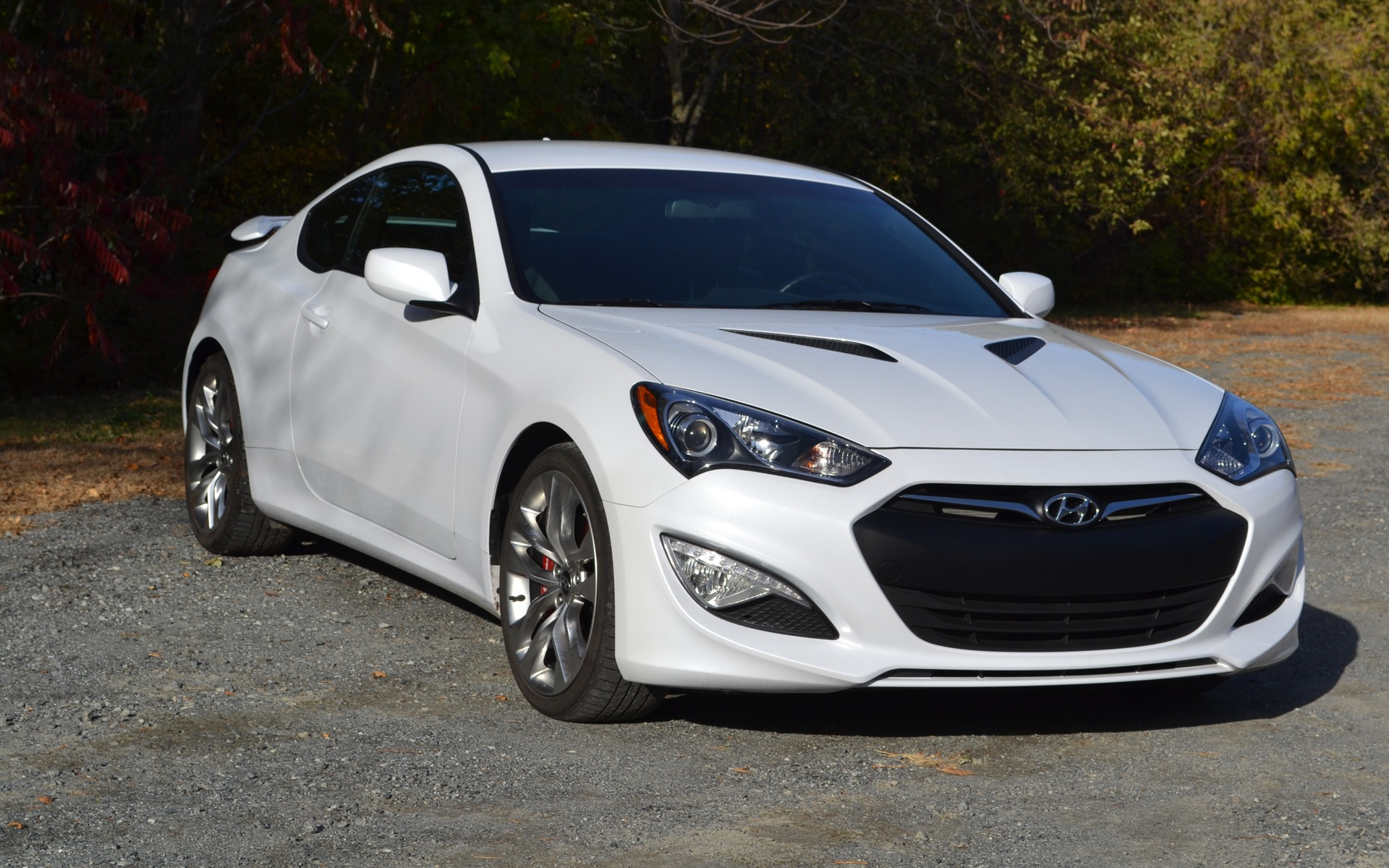 hyundai genesis coupe 2015 la comp tition est f roce guide auto. Black Bedroom Furniture Sets. Home Design Ideas