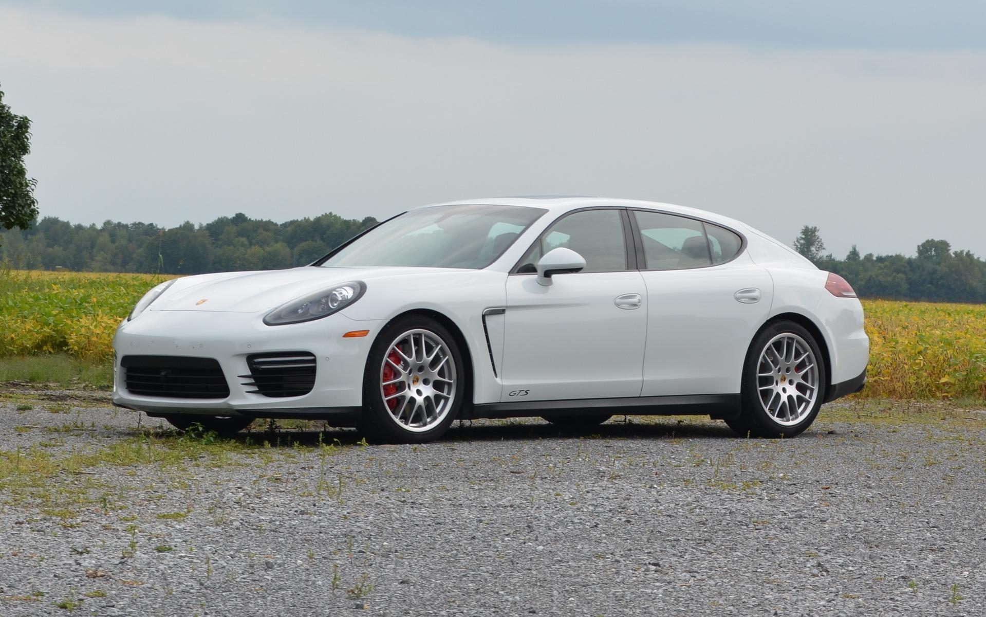 Chez Porsche, les lettres GTS sont celles du juste milieu.