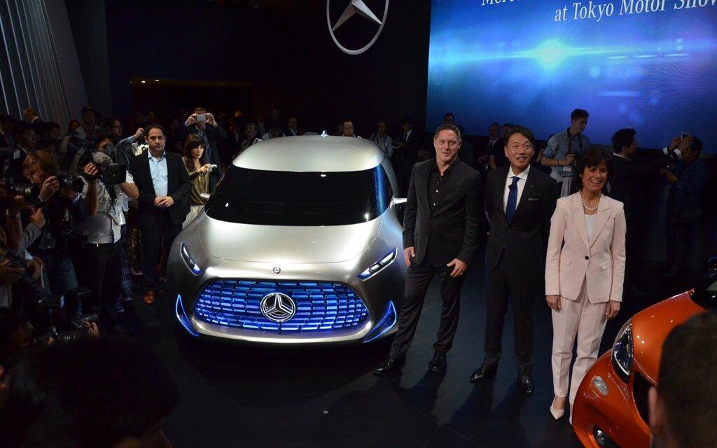https://i.gaw.to/photos/2/2/3/223385_Mercedes-Benz_Vision_Tokyo_le_van_autonome_de_la_generation_Z.jpg?1024x640