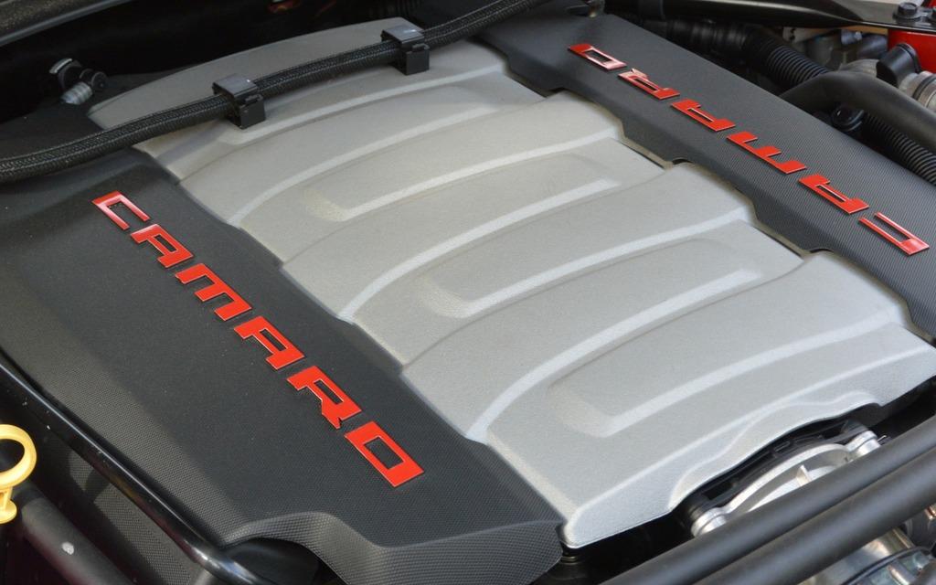 La Camaro et la Corvette se partagent le même moteur V8 de 6,2 litres.
