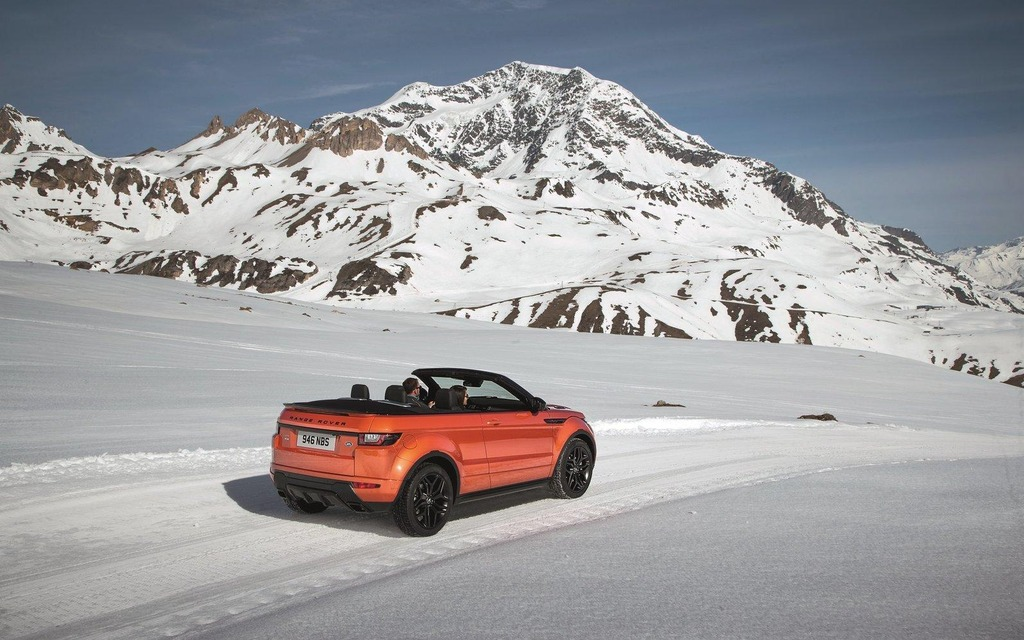 Land Rover Dealers >> Here Is The 2016 Land Rover Range Rover Evoque Convertible - 2/10