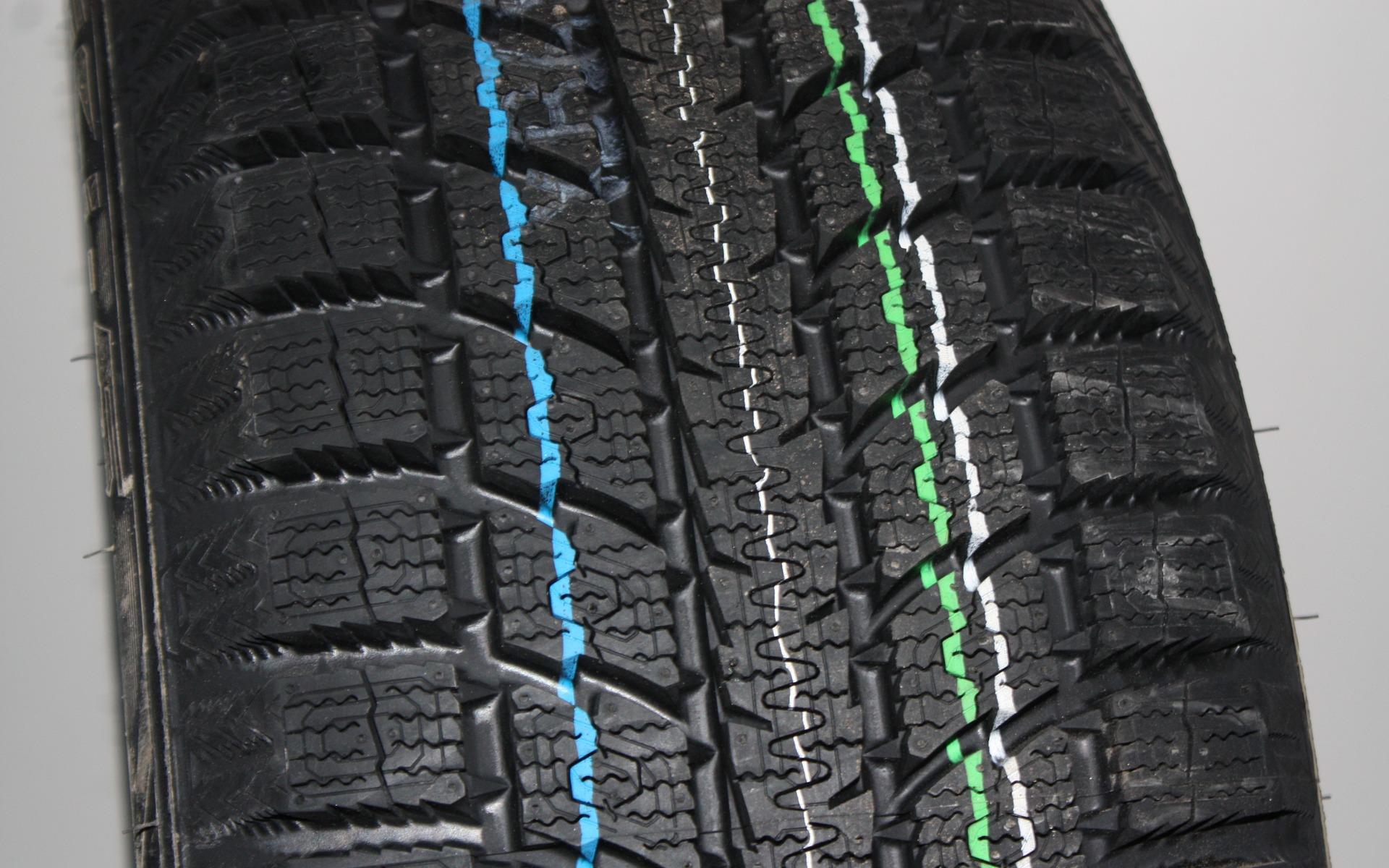 le top 10 des meilleurs pneus d 39 hiver selon le guide de l 39 auto 5 12. Black Bedroom Furniture Sets. Home Design Ideas