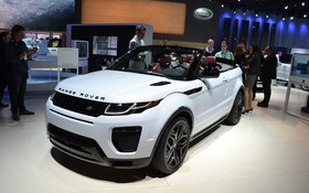 le range rover evoque d capotable pr t pour son. Black Bedroom Furniture Sets. Home Design Ideas