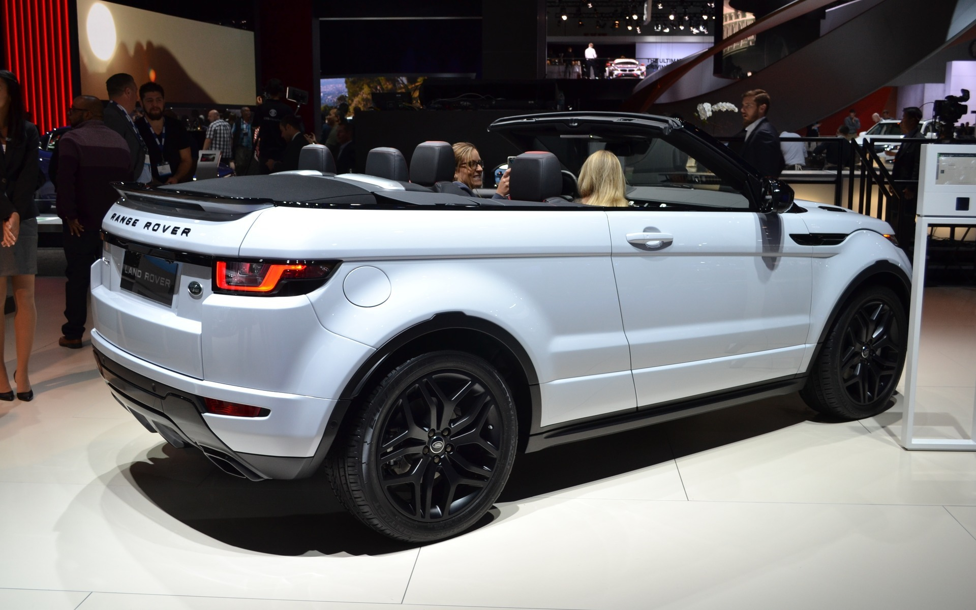 Reviews Of Range Rover >> Range Rover Evoque Convertible Ready To Go - 5/14