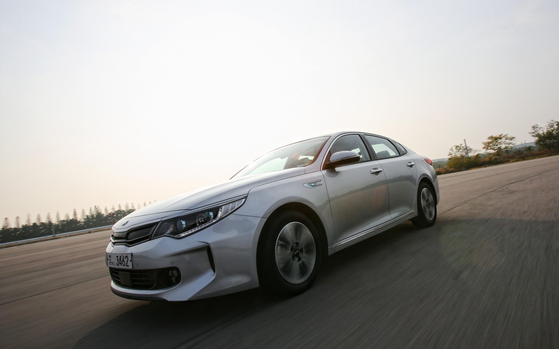 Kia Optima Hybrid 2016