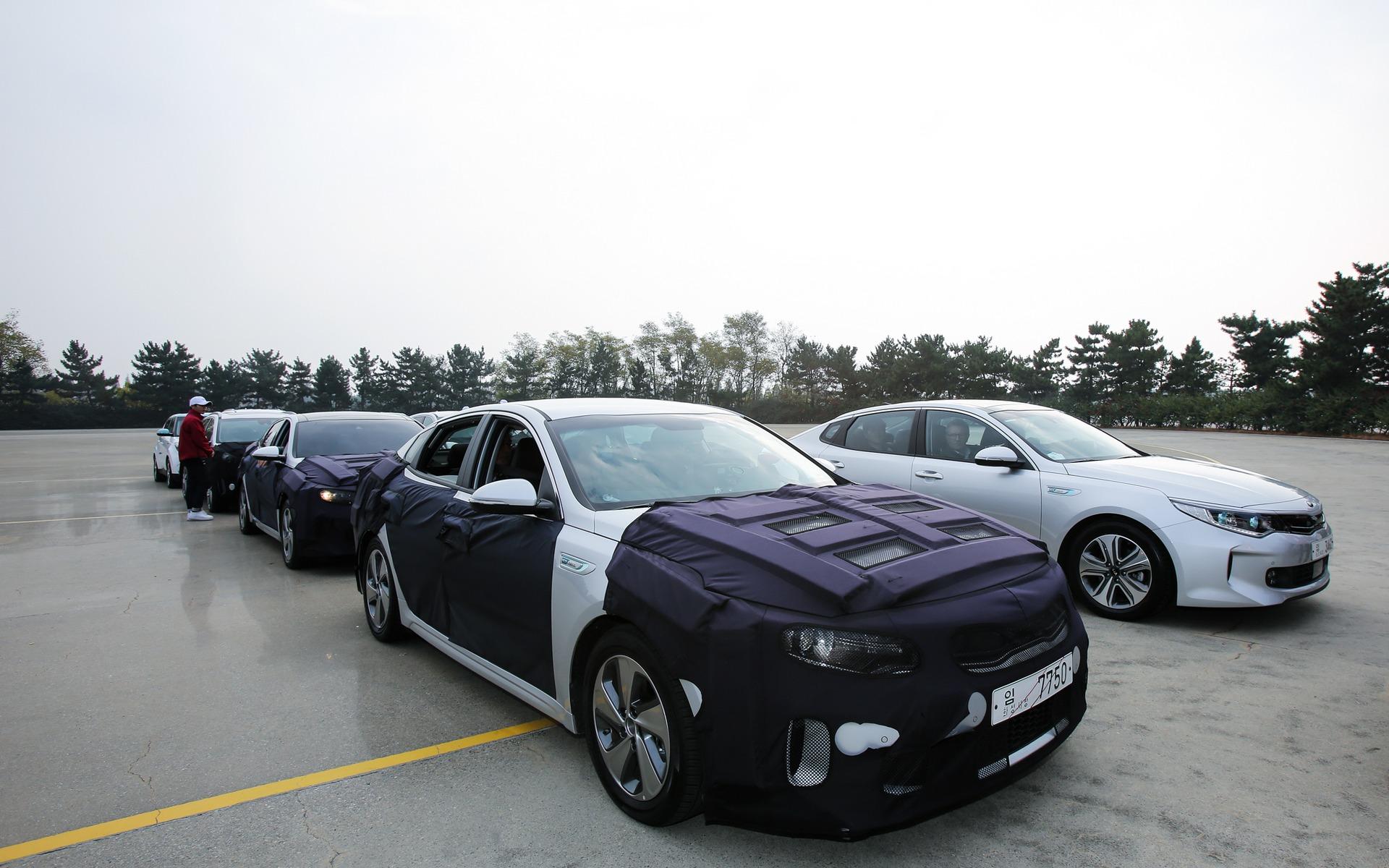 Kia Optima hybride branchable (PHEV) 2016 et Kia Optima Hybrid 2016